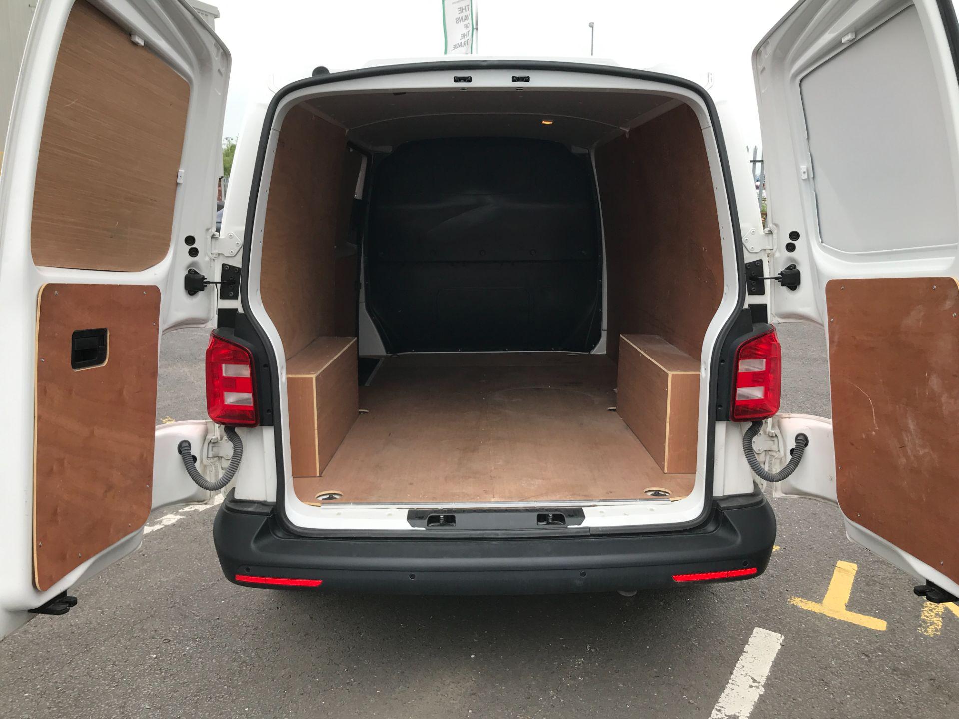 2018 Volkswagen Transporter T30 T6 LWB 2.0TDI BMT 102PS STARTLINE EURO 6 (GF68NGV) Image 11