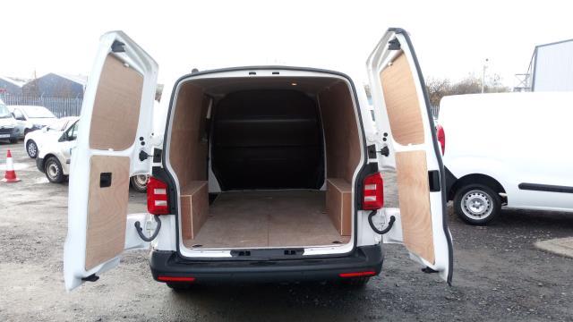2018 Volkswagen Transporter T30 LWB DIESEL 2.0 TDI 102PS BMT STARTLINE EURO 6 (GF68NHT) Image 7