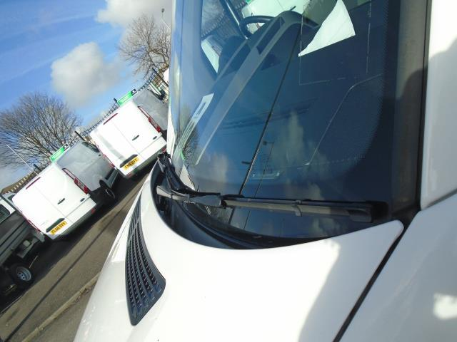 2016 Volkswagen Crafter  CR35 LWB 2.0 TDI 136PS HIGH ROOF EURO 5 (GH16BLZ) Image 16