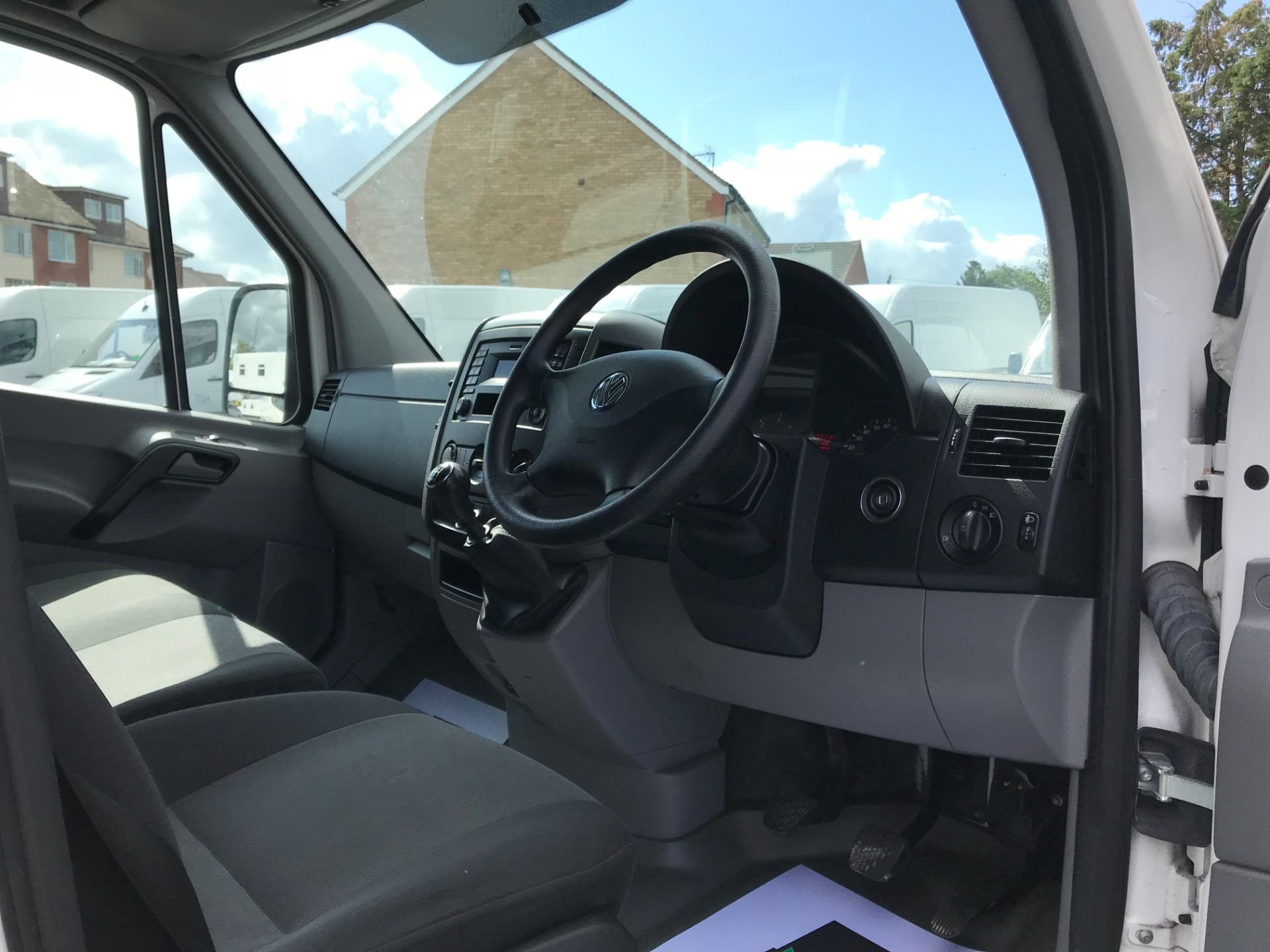 2016 Volkswagen Crafter   CR35 LWB 2.0 TDI 136PS H/R EURO 5 (GH16DKJ) Image 22