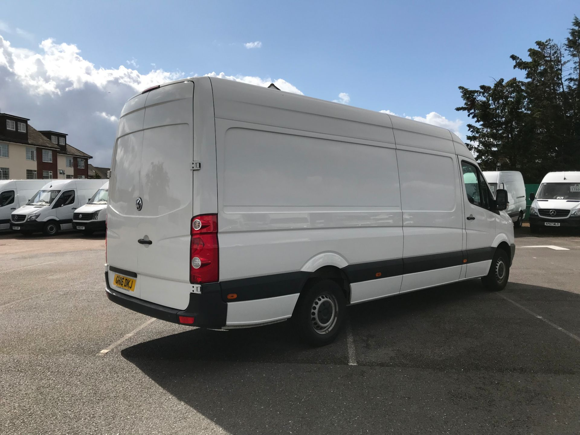2016 Volkswagen Crafter   CR35 LWB 2.0 TDI 136PS H/R EURO 5 (GH16DKJ) Image 4
