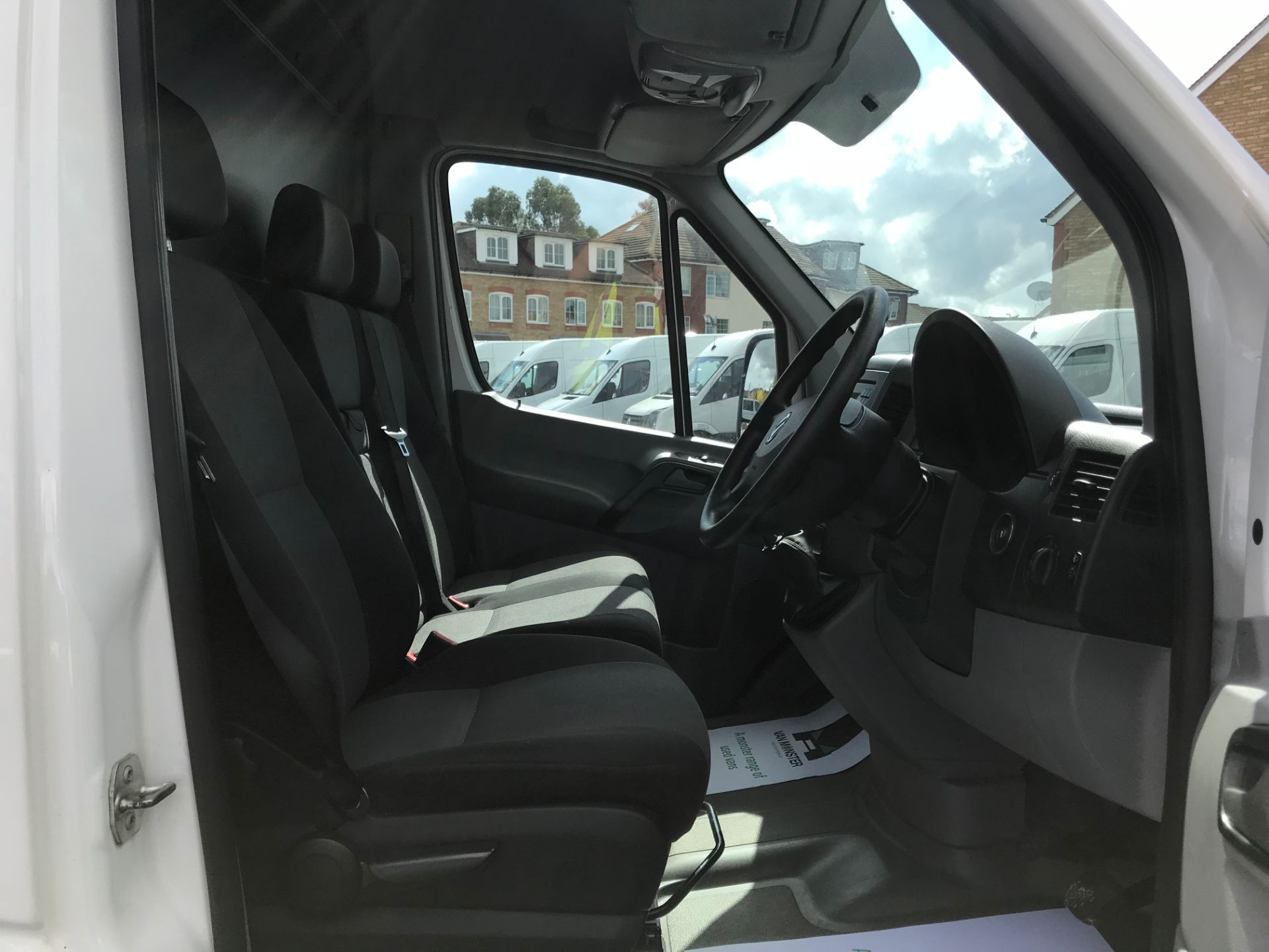 2016 Volkswagen Crafter   CR35 LWB 2.0 TDI 136PS H/R EURO 5 (GH16DKJ) Image 23