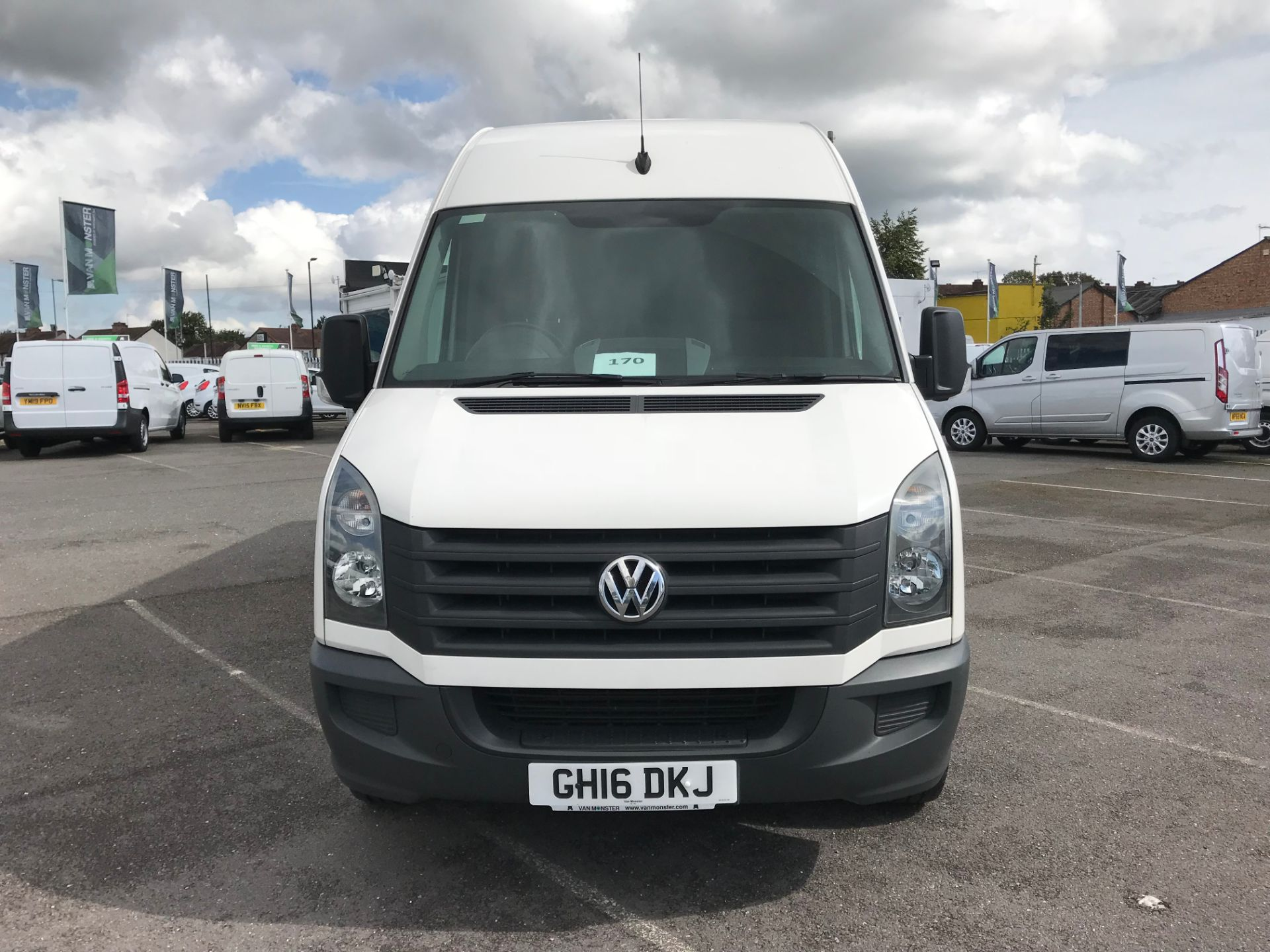 2016 Volkswagen Crafter   CR35 LWB 2.0 TDI 136PS H/R EURO 5 (GH16DKJ) Image 3