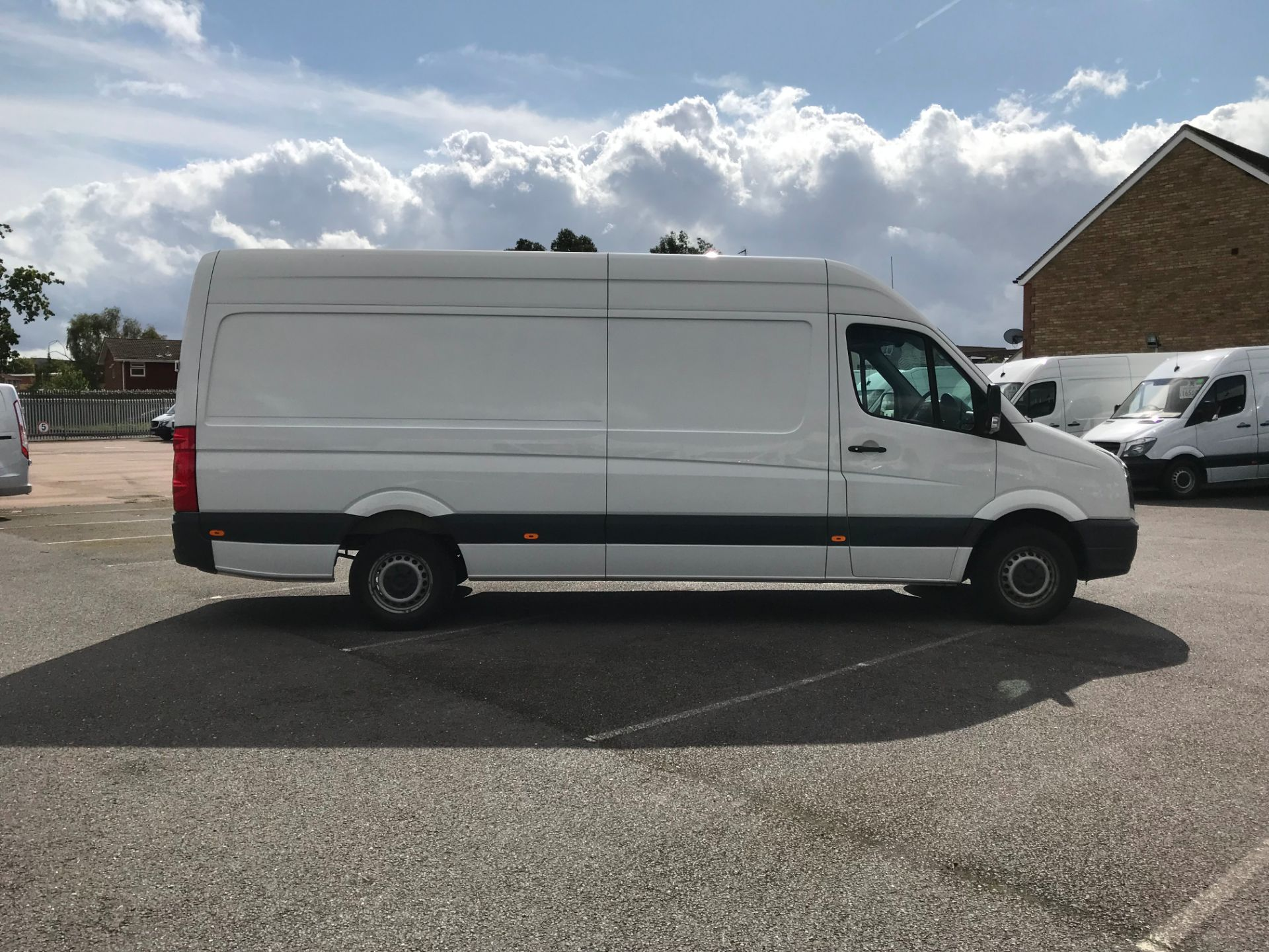 2016 Volkswagen Crafter   CR35 LWB 2.0 TDI 136PS H/R EURO 5 (GH16DKJ) Image 8