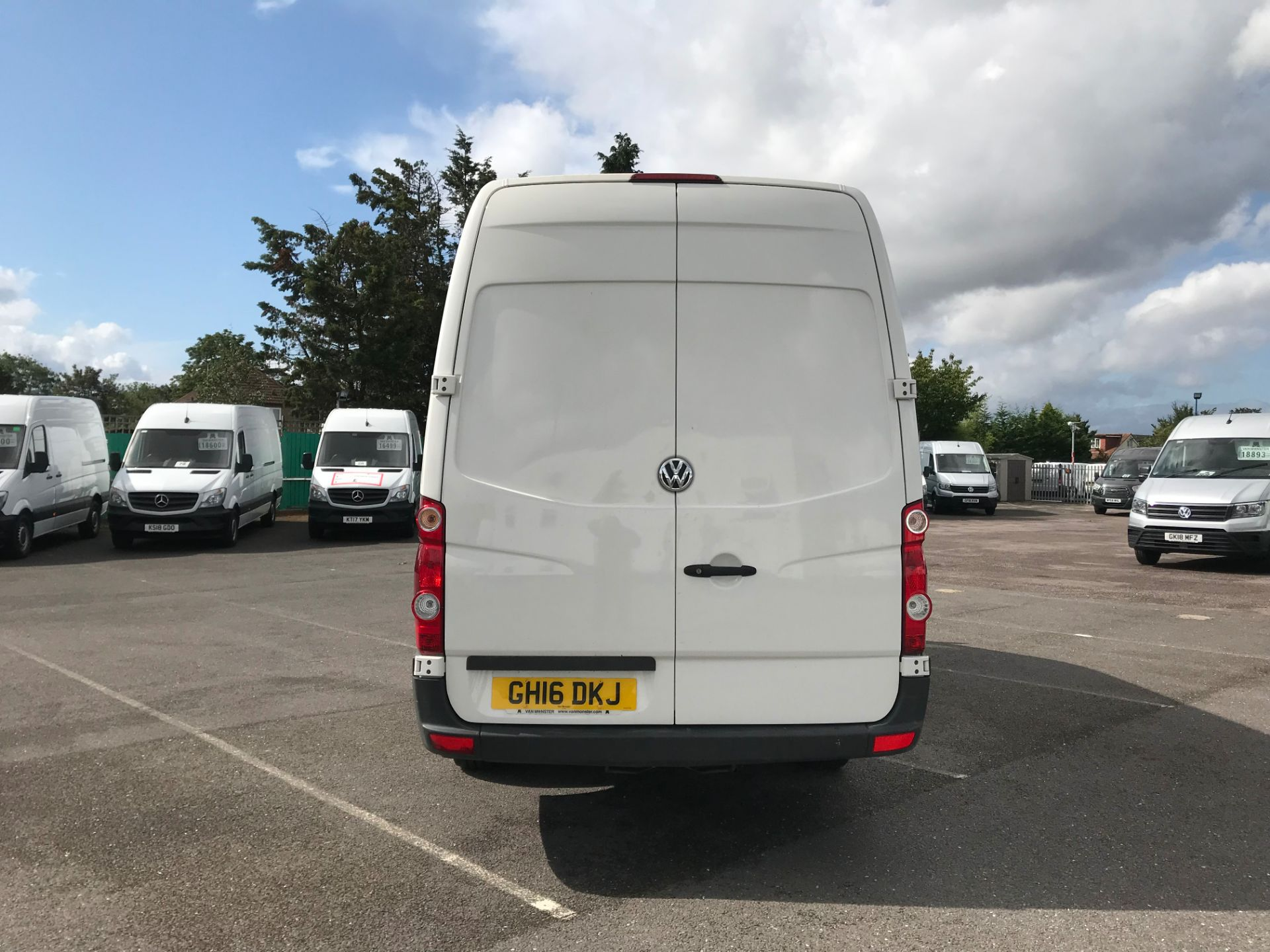 2016 Volkswagen Crafter   CR35 LWB 2.0 TDI 136PS H/R EURO 5 (GH16DKJ) Image 6