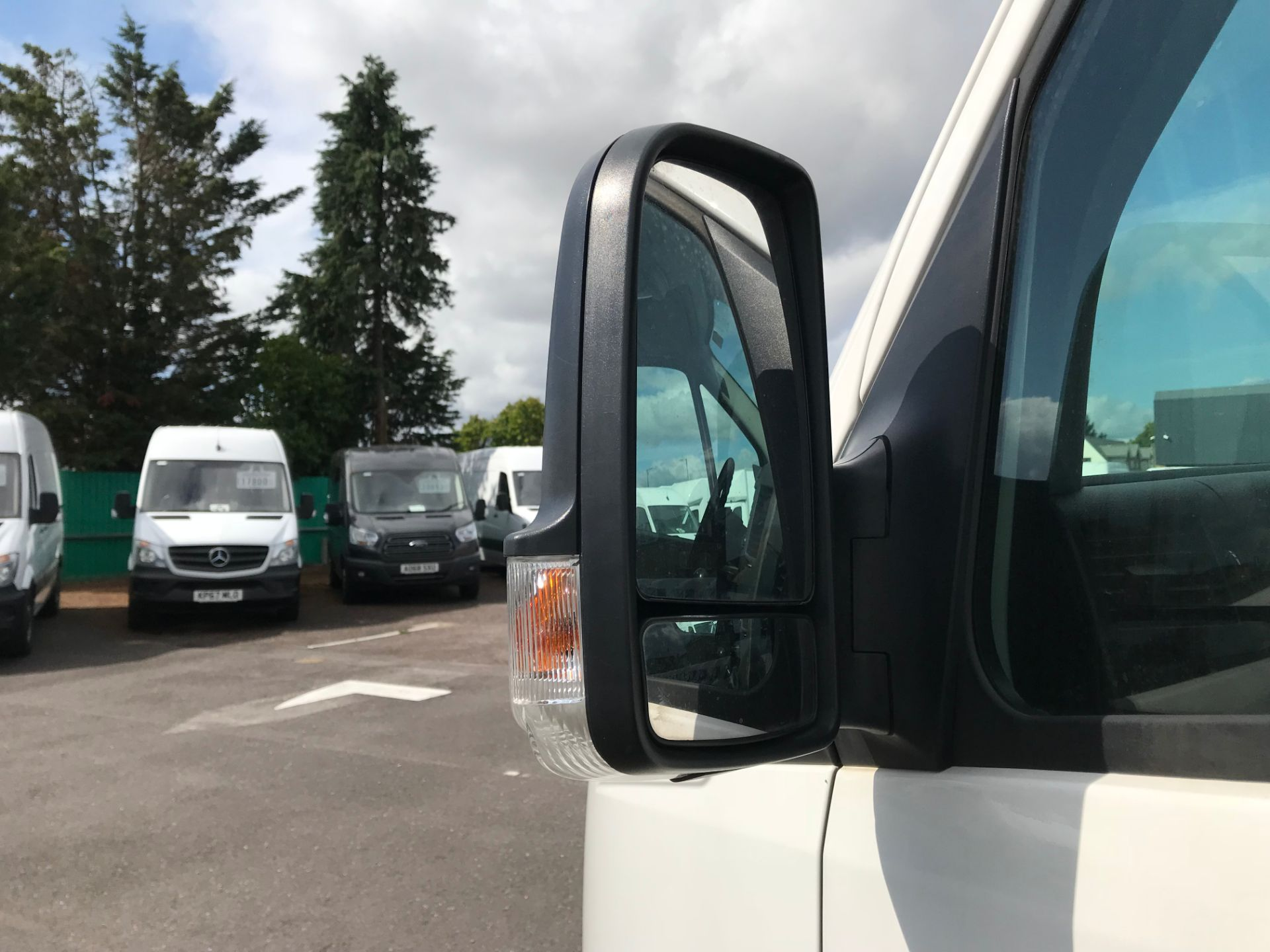 2016 Volkswagen Crafter   CR35 LWB 2.0 TDI 136PS H/R EURO 5 (GH16DKJ) Image 11
