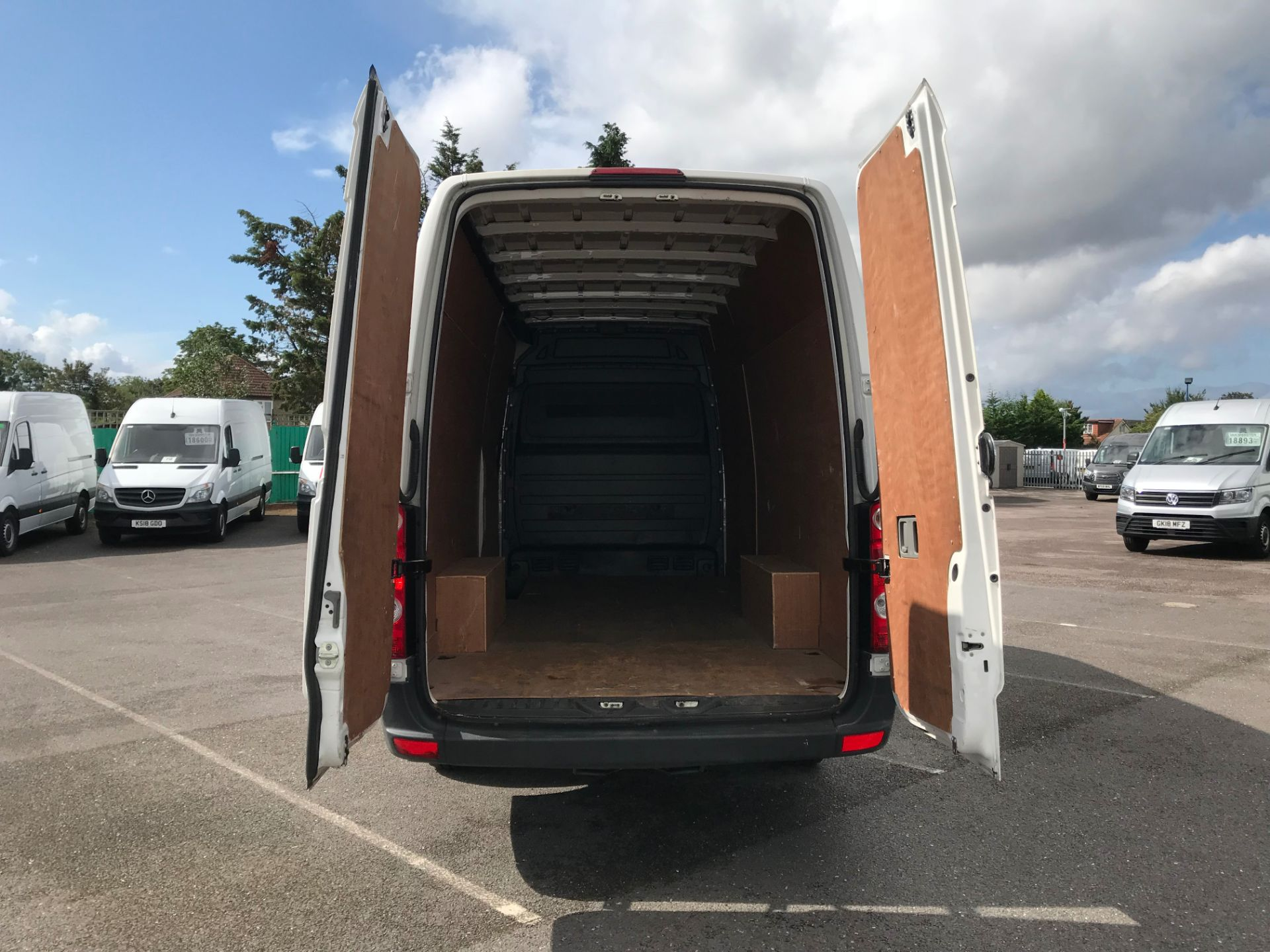 2016 Volkswagen Crafter   CR35 LWB 2.0 TDI 136PS H/R EURO 5 (GH16DKJ) Image 7