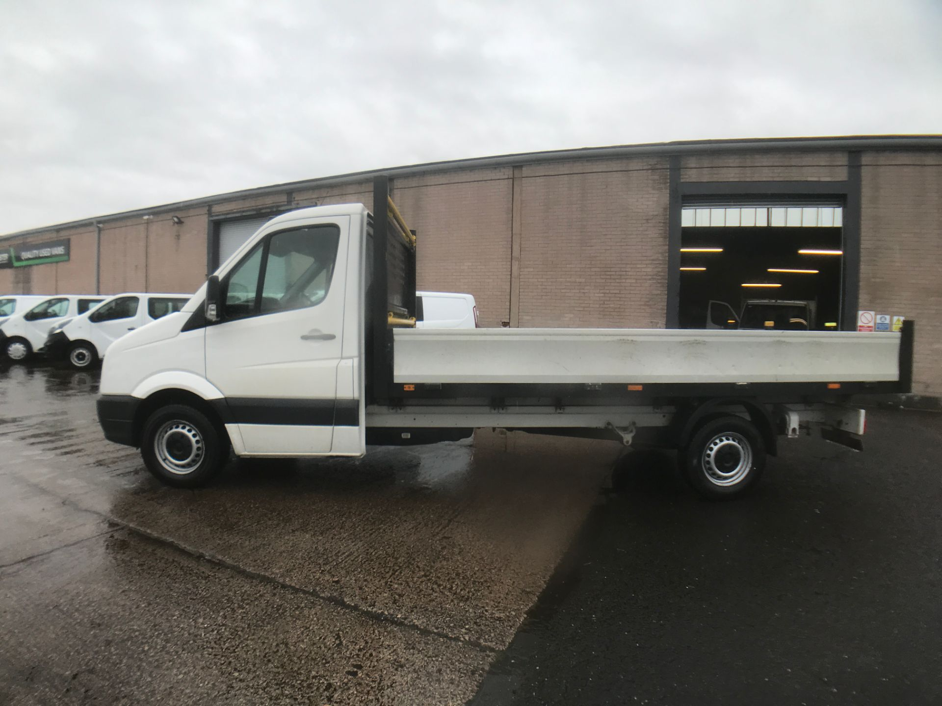 2016 Volkswagen Crafter  CR35 13FT DROPSIDE 2.0TDI 136PS EURO 5 (GH16FTV) Image 11