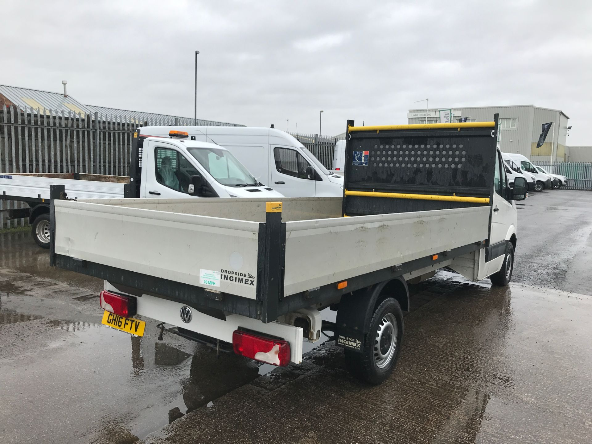 2016 Volkswagen Crafter  CR35 13FT DROPSIDE 2.0TDI 136PS EURO 5 (GH16FTV) Image 8