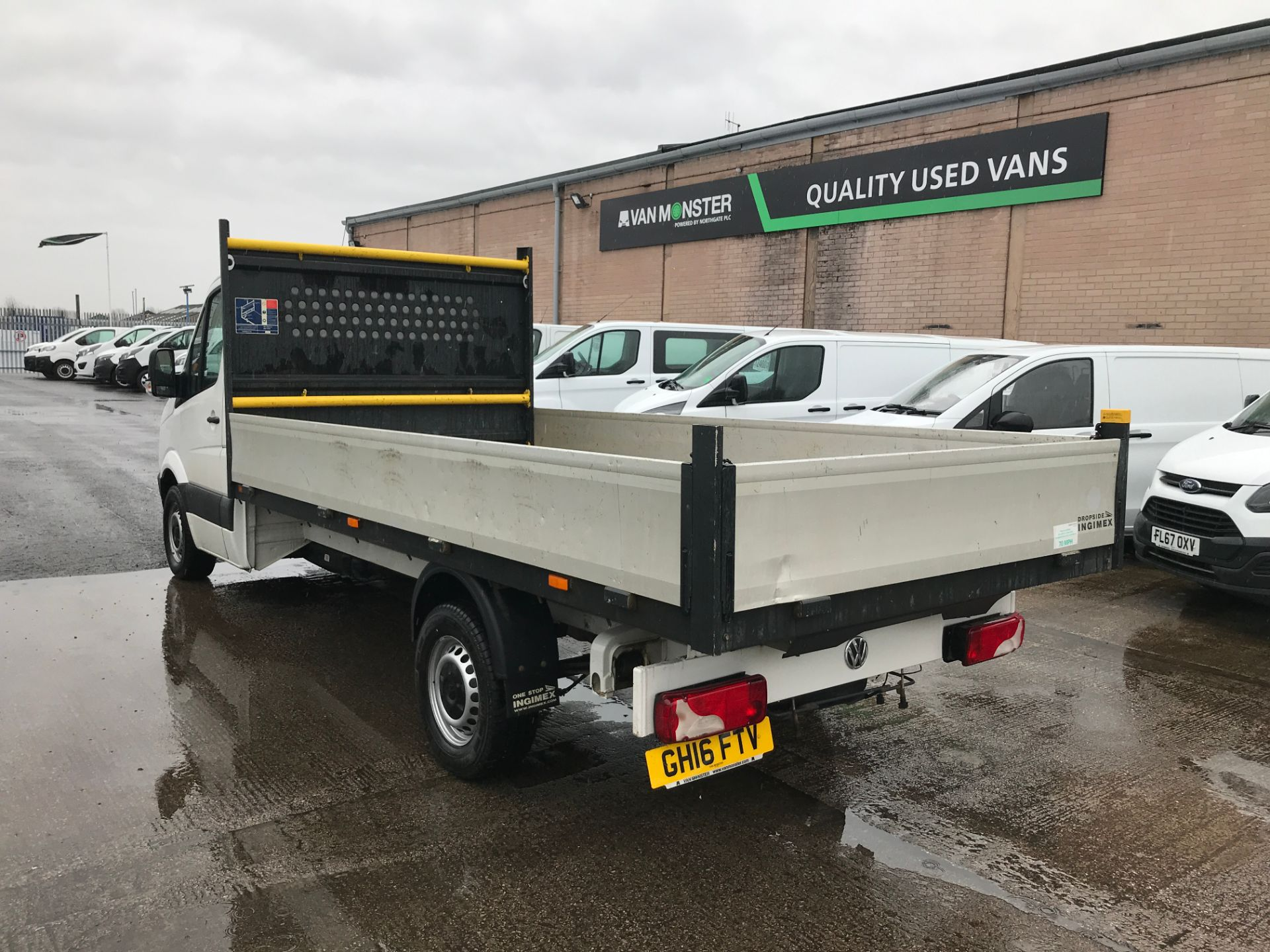 2016 Volkswagen Crafter  CR35 13FT DROPSIDE 2.0TDI 136PS EURO 5 (GH16FTV) Image 10