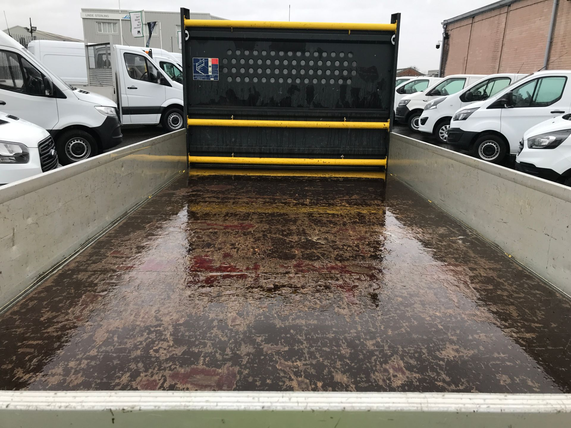 2016 Volkswagen Crafter  CR35 13FT DROPSIDE 2.0TDI 136PS EURO 5 (GH16FTV) Image 16
