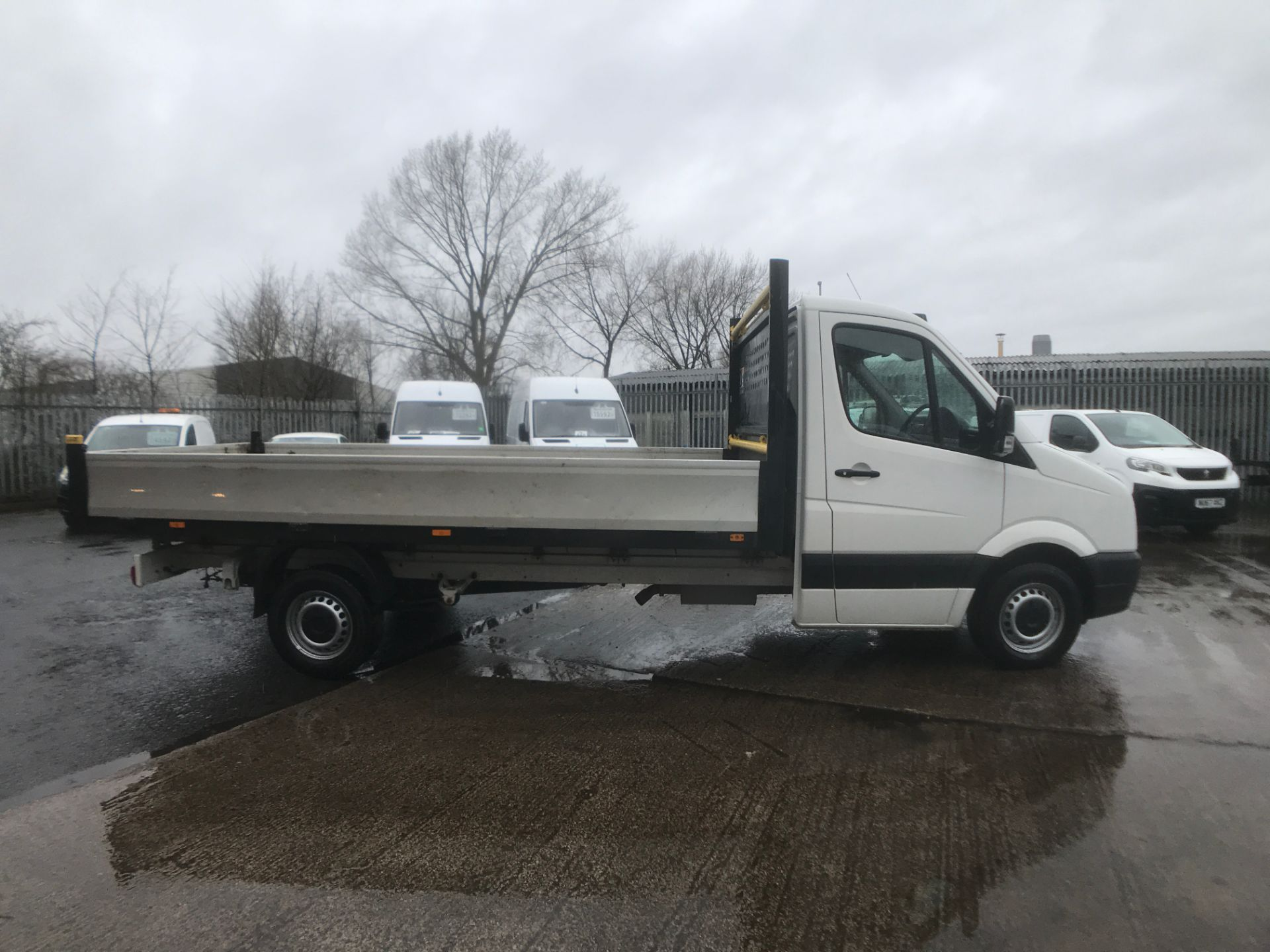 2016 Volkswagen Crafter  CR35 13FT DROPSIDE 2.0TDI 136PS EURO 5 (GH16FTV) Image 7