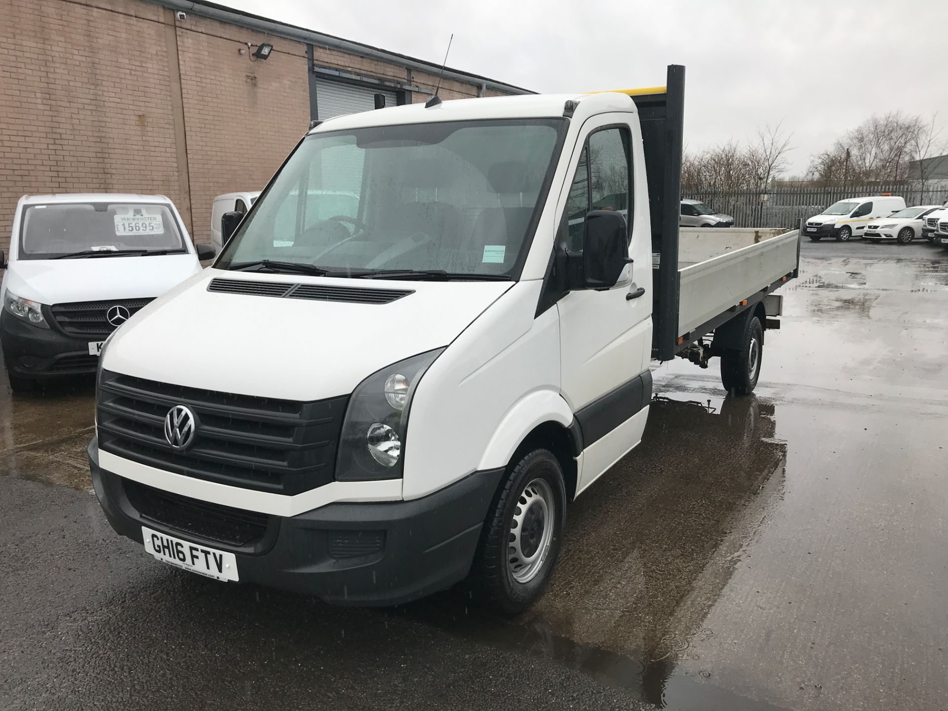 2016 Volkswagen Crafter  CR35 13FT DROPSIDE 2.0TDI 136PS EURO 5 (GH16FTV) Image 13
