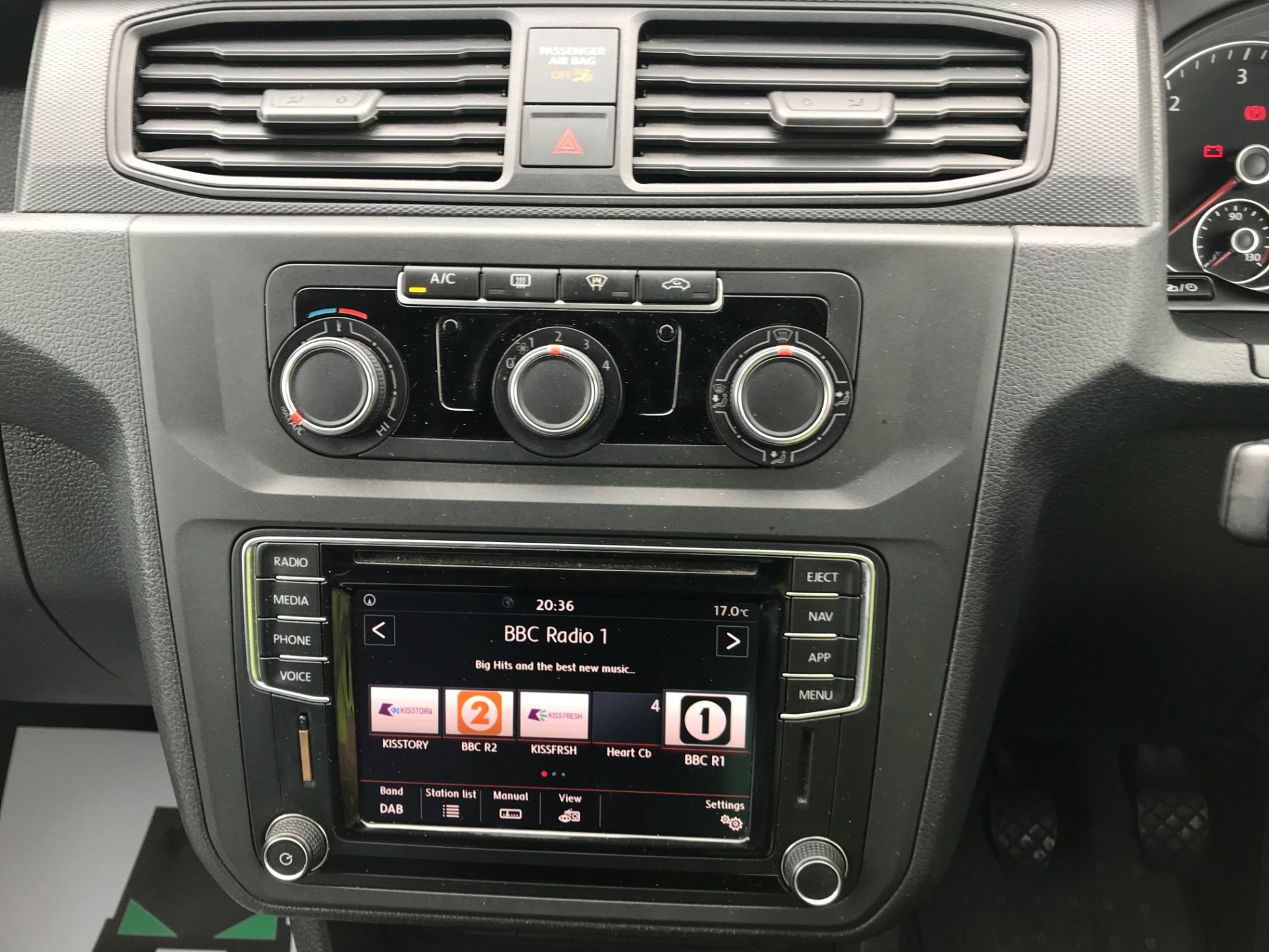 2017 Volkswagen Caddy 2.0TDI BLUEMOTION TECH 102PS HIGHLINE  (GH17AVN) Image 23