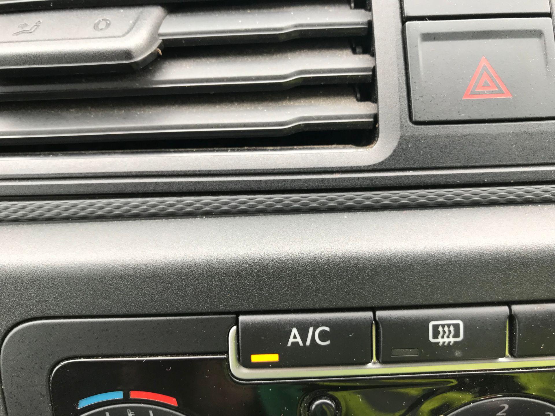 2017 Volkswagen Caddy 2.0TDI BLUEMOTION TECH 102PS HIGHLINE  (GH17AVN) Image 24