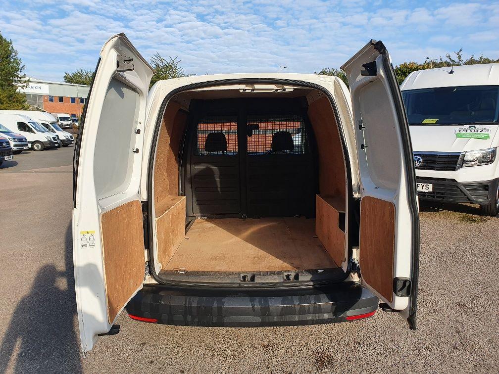 2017 Volkswagen Caddy 2.0 Tdi Bluemotion Tech 102Ps Startline Van (GH17AWN) Image 9