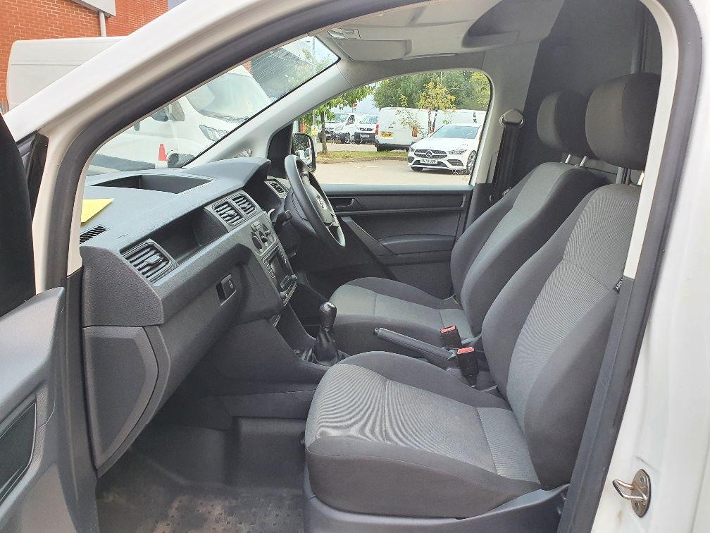 2017 Volkswagen Caddy 2.0 Tdi Bluemotion Tech 102Ps Startline Van (GH17BYM) Image 16