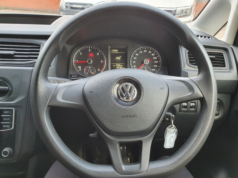 2017 Volkswagen Caddy 2.0 Tdi Bluemotion Tech 102Ps Startline Van (GH17BYM) Image 17