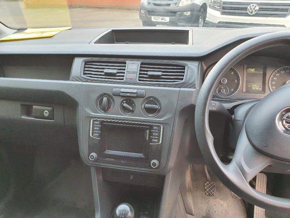 2017 Volkswagen Caddy 2.0 Tdi Bluemotion Tech 102Ps Startline Van (GH17BYM) Image 7
