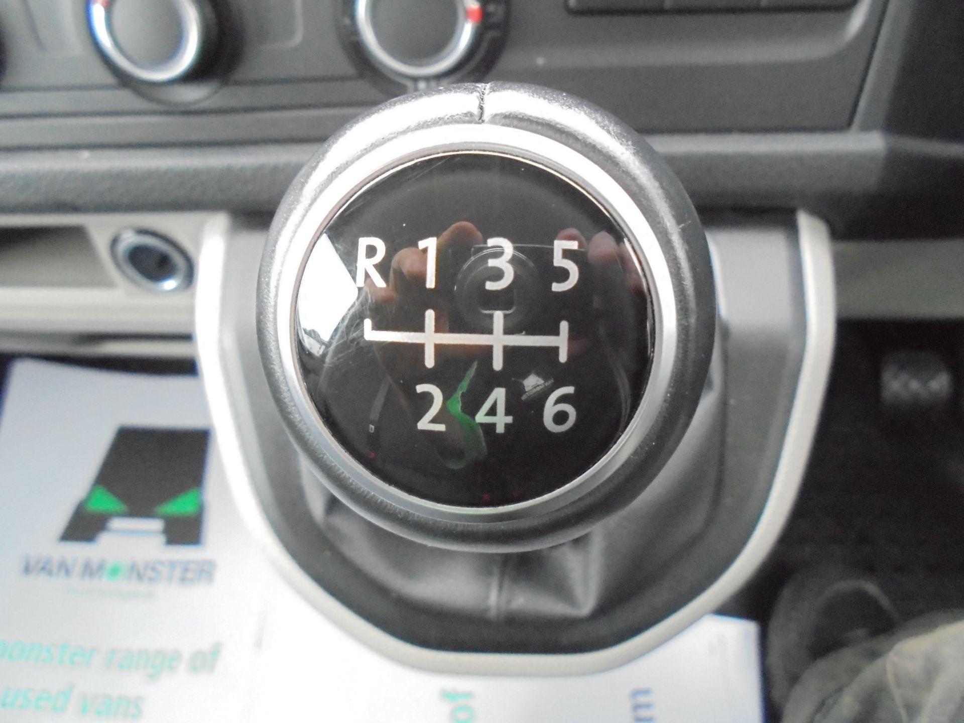 2019 Volkswagen Transporter T30 SWB 2.0 TDI BMT 150PS HIGHLINE  VAN EURO 6 (GH19FZJ) Image 14