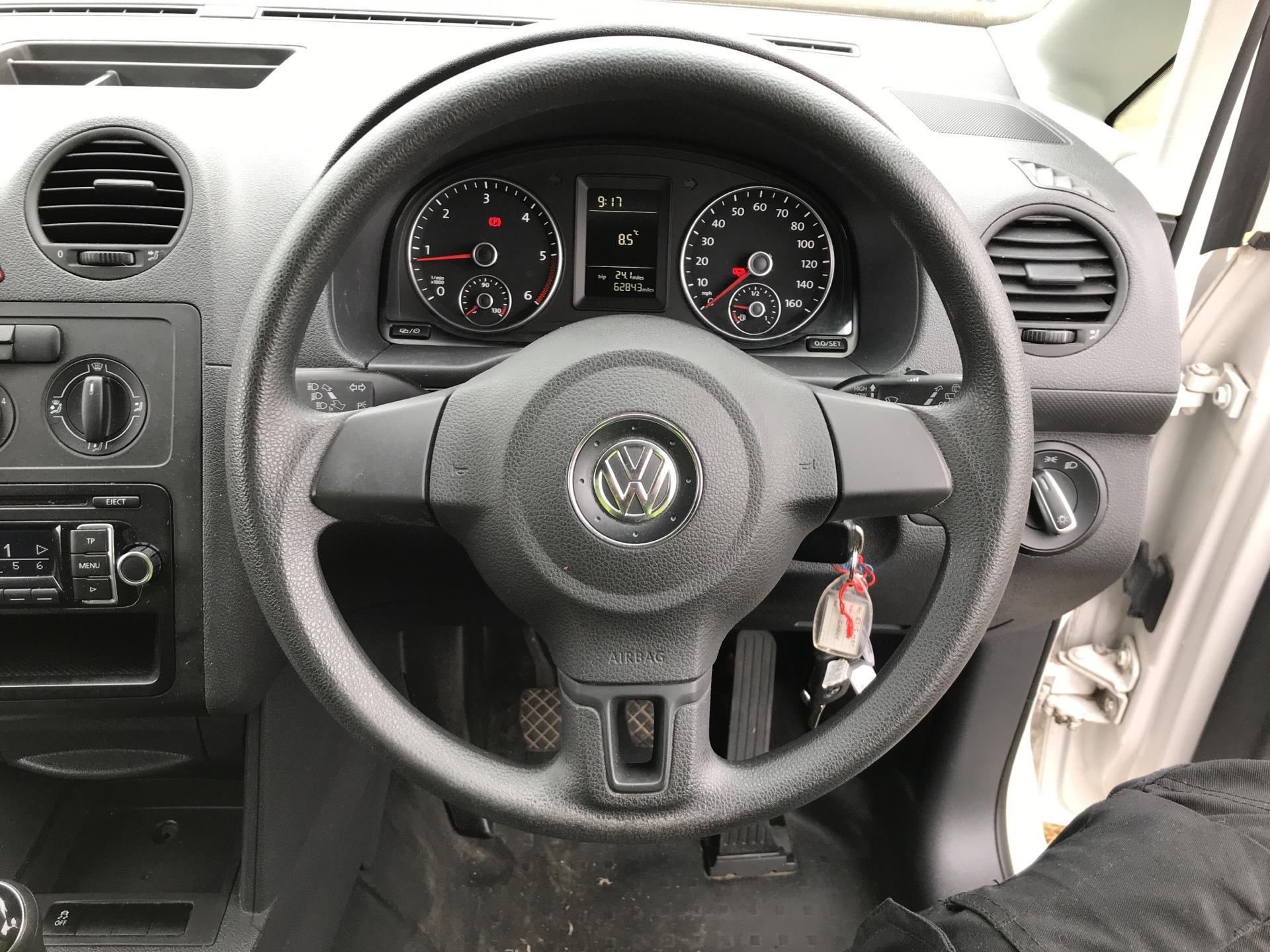 2015 Volkswagen Caddy  1.6 102PS STARTLINE EURO 5 (GJ15MRV) Image 12