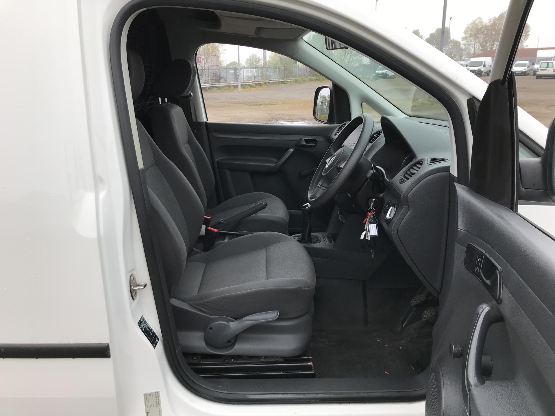 2015 Volkswagen Caddy  1.6 102PS STARTLINE EURO 5 (GJ15MRV) Image 9