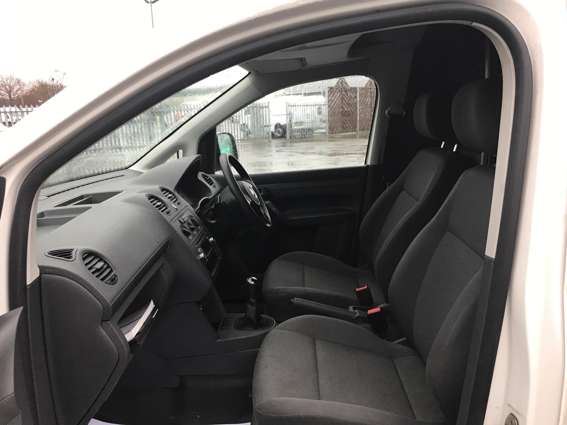 2015 Volkswagen Caddy  1.6 75PS STARTLINE EURO 5 (GJ15WFK) Image 14