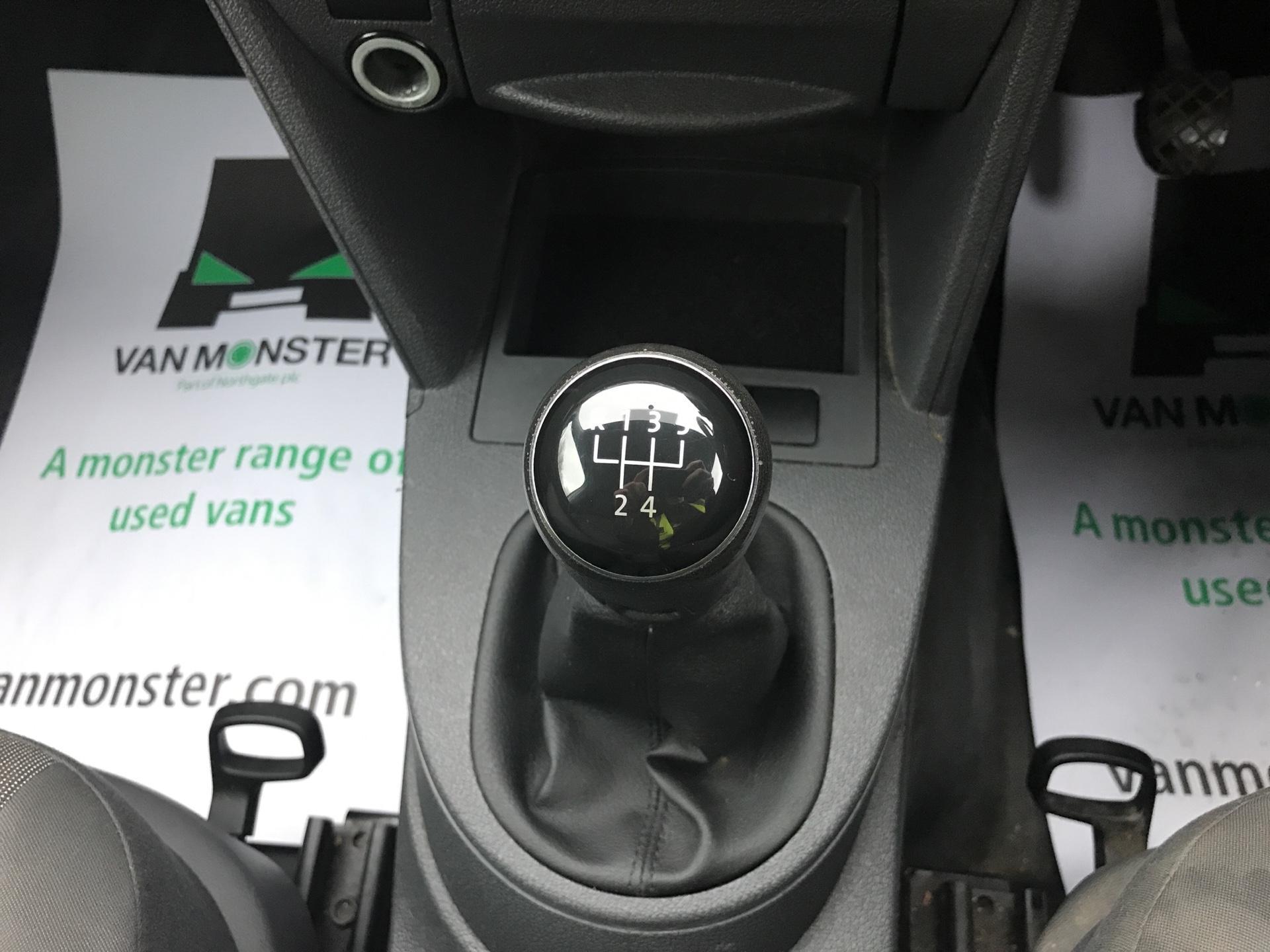 2015 Volkswagen Caddy  1.6 75PS STARTLINE EURO 5 (GJ15WFK) Image 11