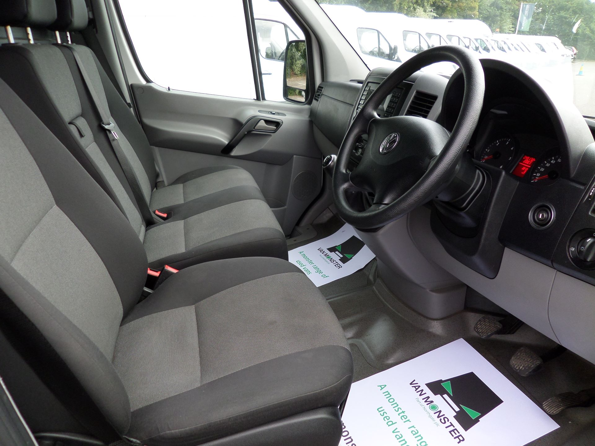 2016 Volkswagen Crafter  CR35 LWB 2.0 TDI 136PS HIGH ROOF EURO 5 (GJ16EAM) Image 2
