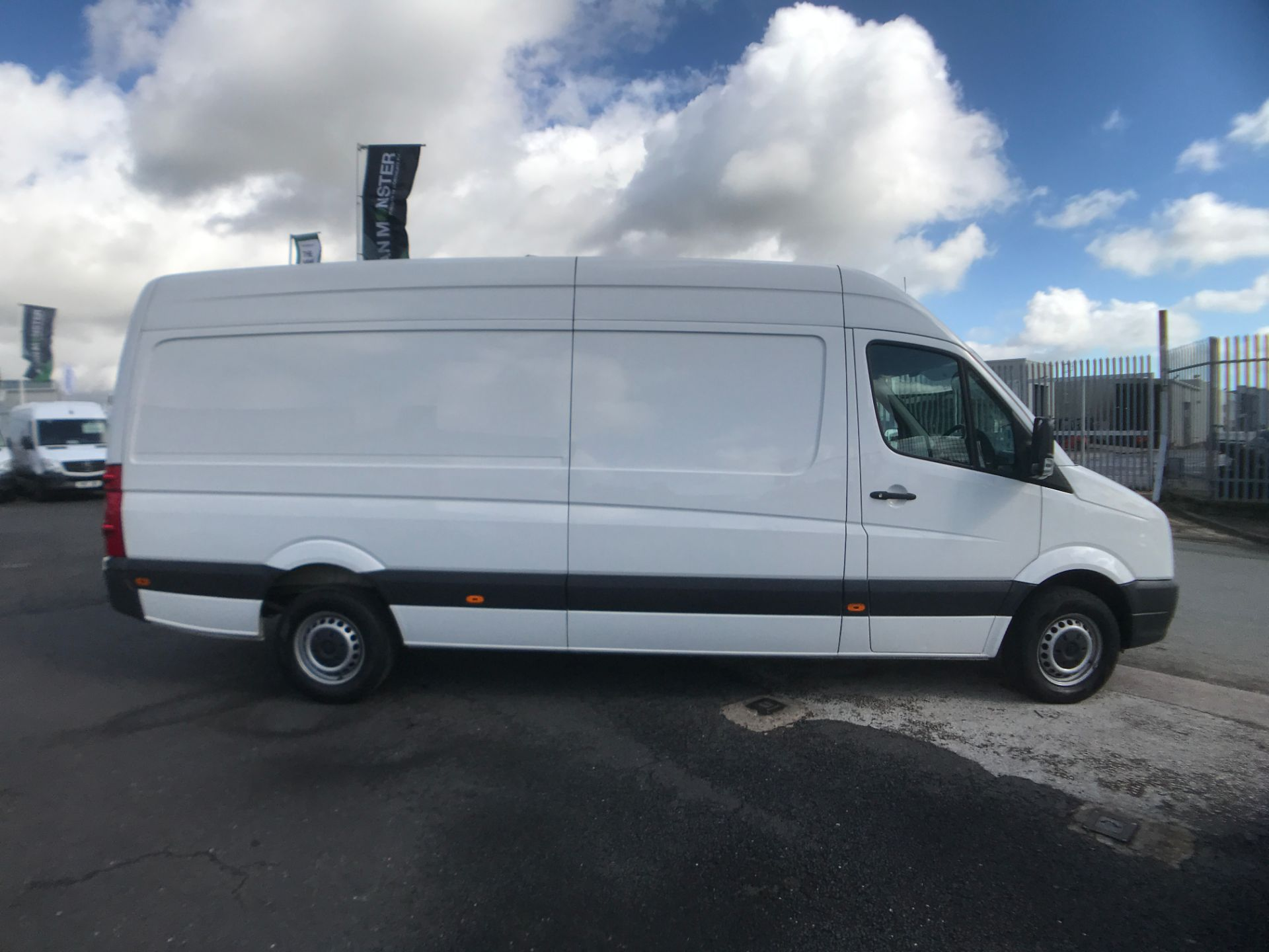 2016 Volkswagen Crafter  CR35 LWB HIGH ROOF 2.0TDI 136PS EURO 5 (GJ16LLM) Image 7