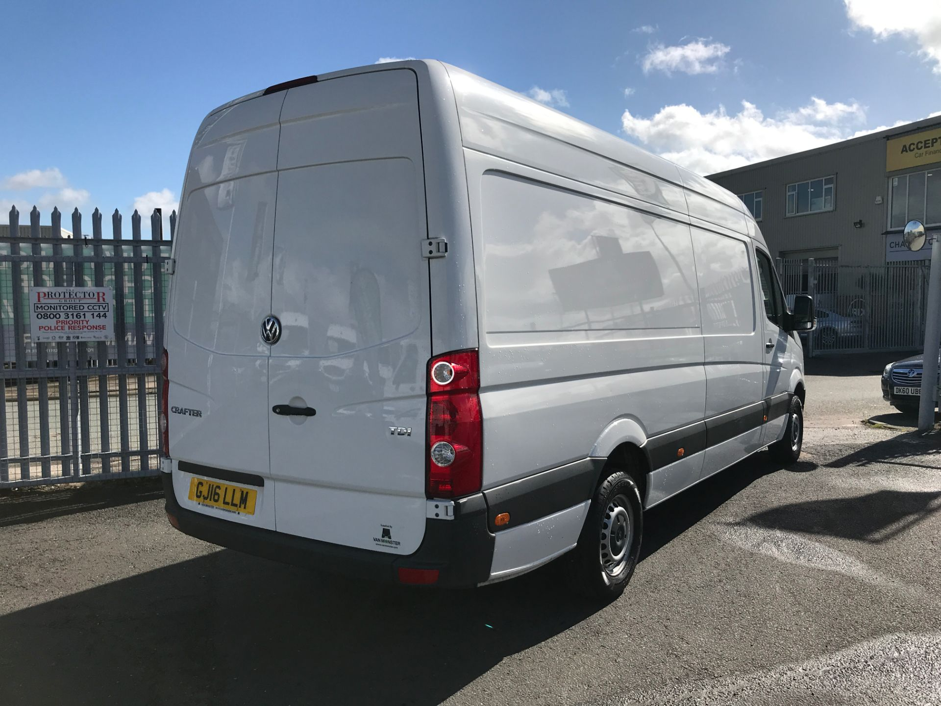 2016 Volkswagen Crafter  CR35 LWB HIGH ROOF 2.0TDI 136PS EURO 5 (GJ16LLM) Image 8
