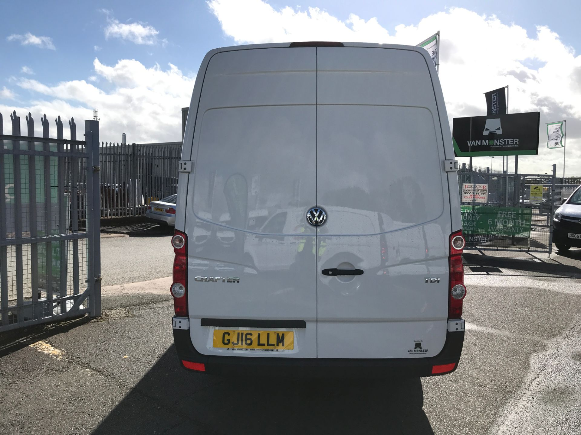 2016 Volkswagen Crafter  CR35 LWB HIGH ROOF 2.0TDI 136PS EURO 5 (GJ16LLM) Image 9
