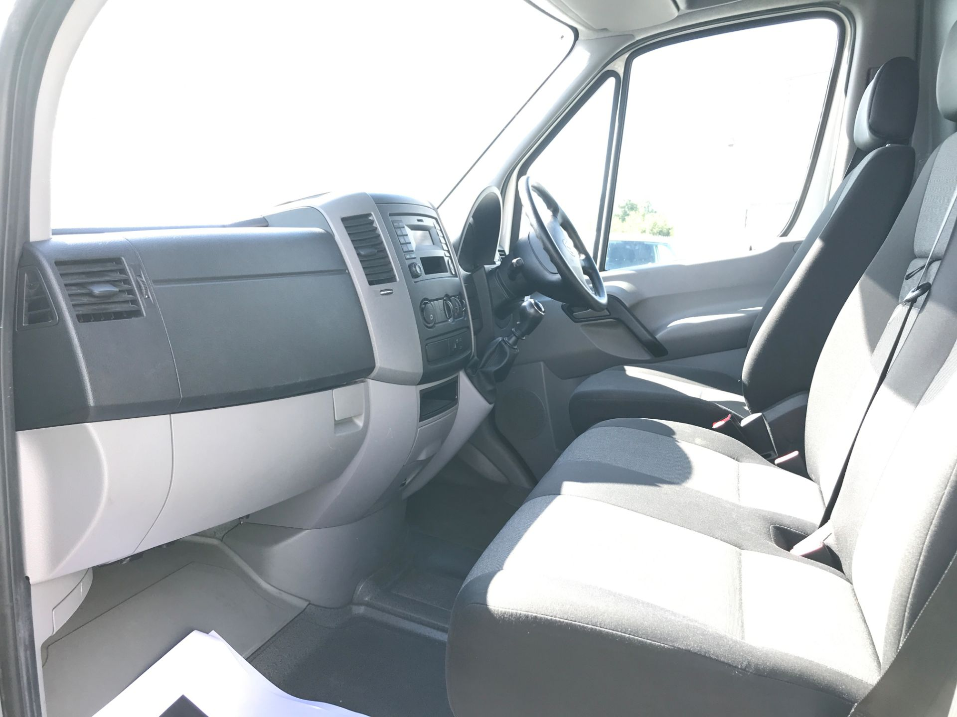 2016 Volkswagen Crafter  CR35 LWB HIGH ROOF 2.0TDI 136PS EURO 5 (GJ16LLM) Image 12