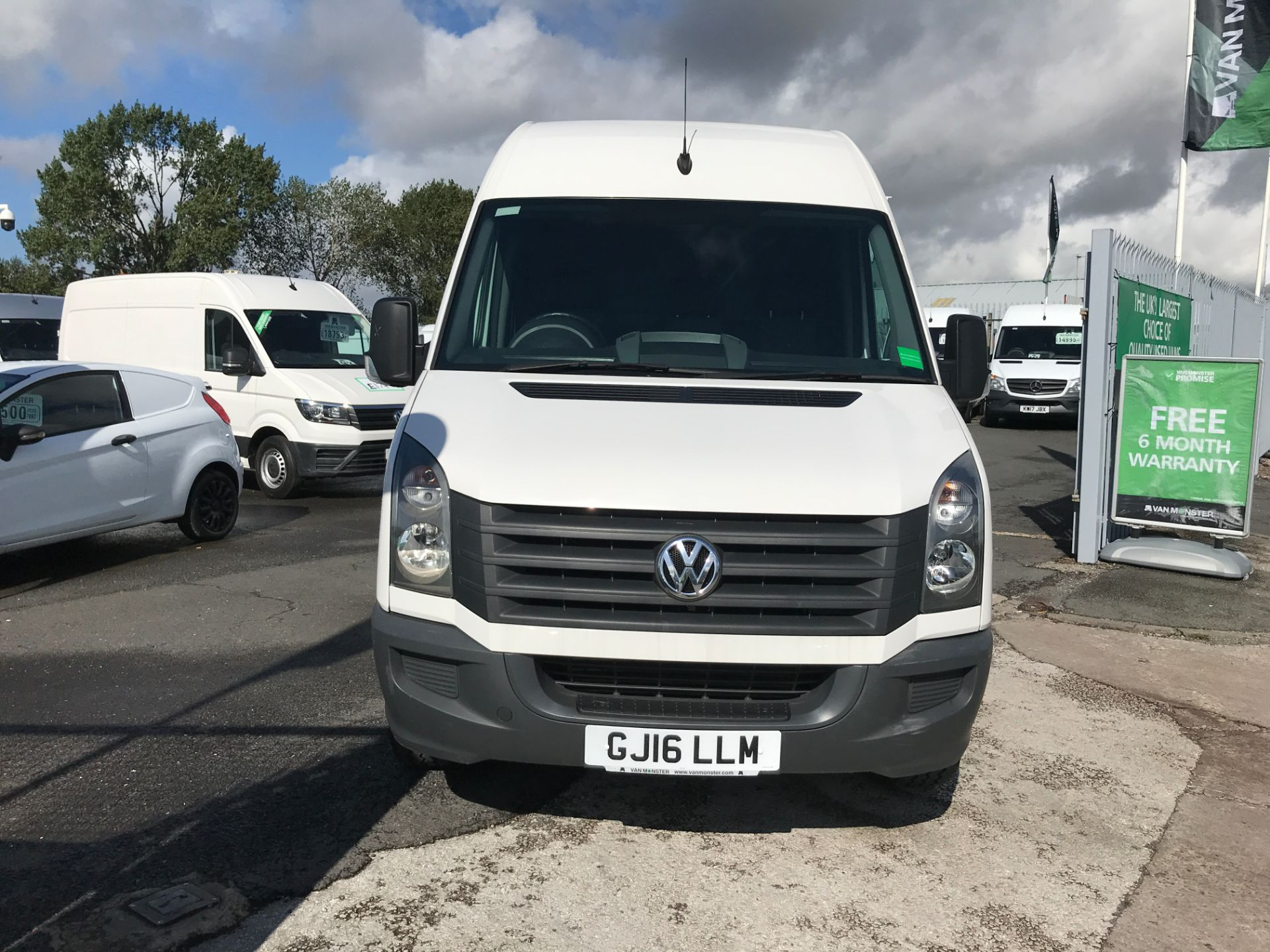 2016 Volkswagen Crafter  CR35 LWB HIGH ROOF 2.0TDI 136PS EURO 5 (GJ16LLM) Image 14