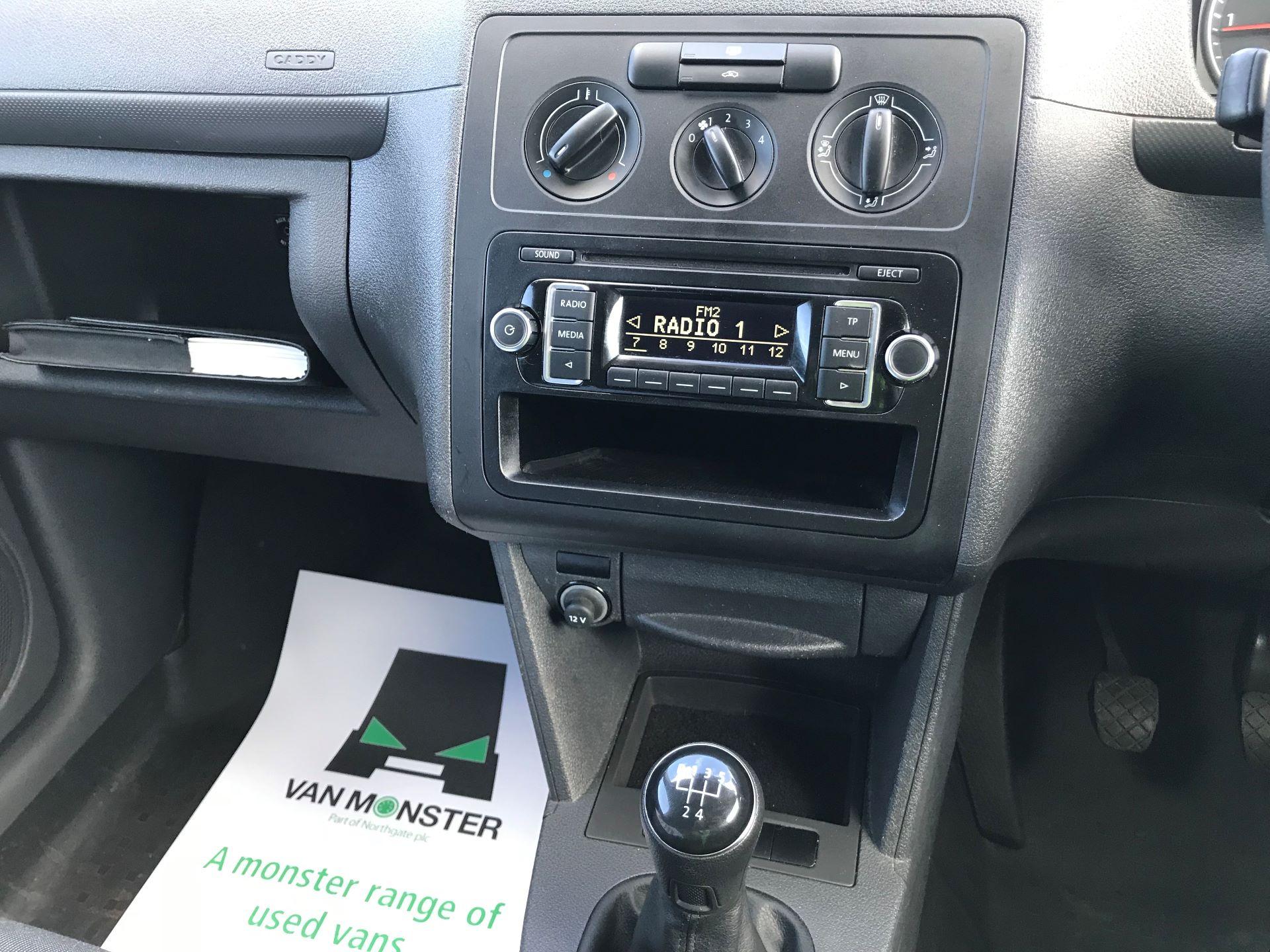 2017 Volkswagen Caddy  1.6 75PS STARTLINE EURO 5 (GJ17EZP) Image 26