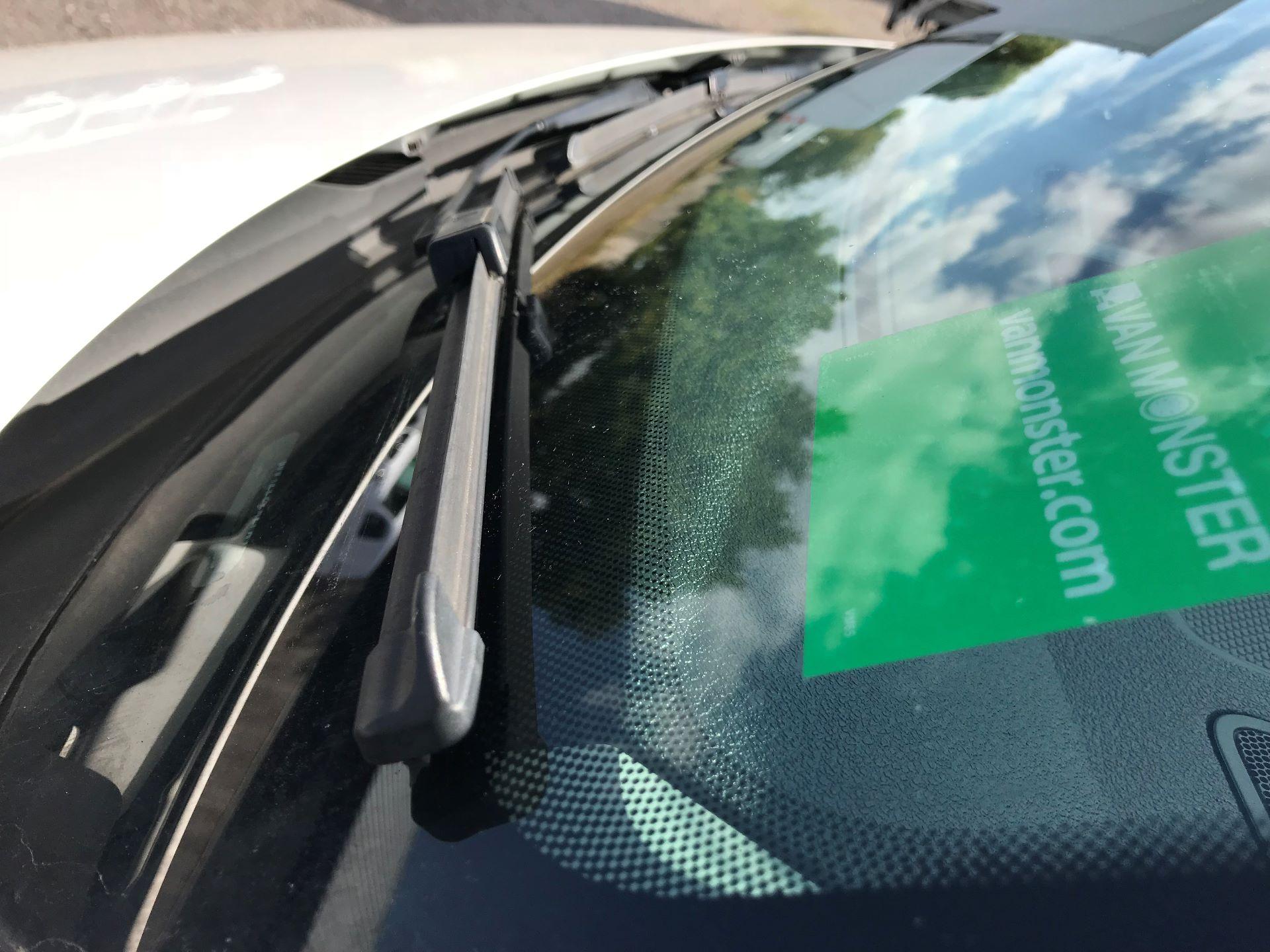 2017 Volkswagen Caddy  1.6 75PS STARTLINE EURO 5 (GJ17EZP) Image 19