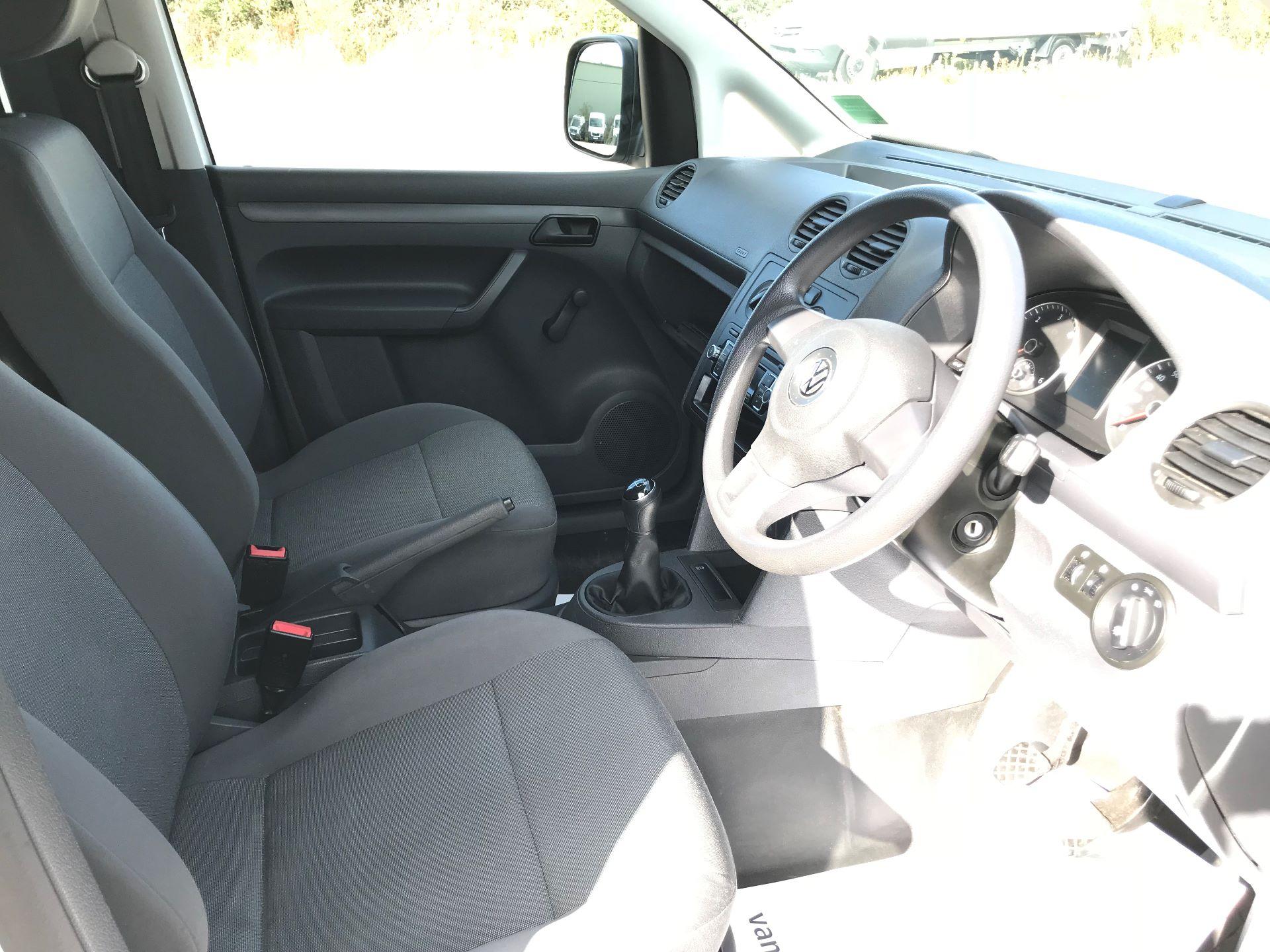 2017 Volkswagen Caddy  1.6 75PS STARTLINE EURO 5 (GJ17EZP) Image 22