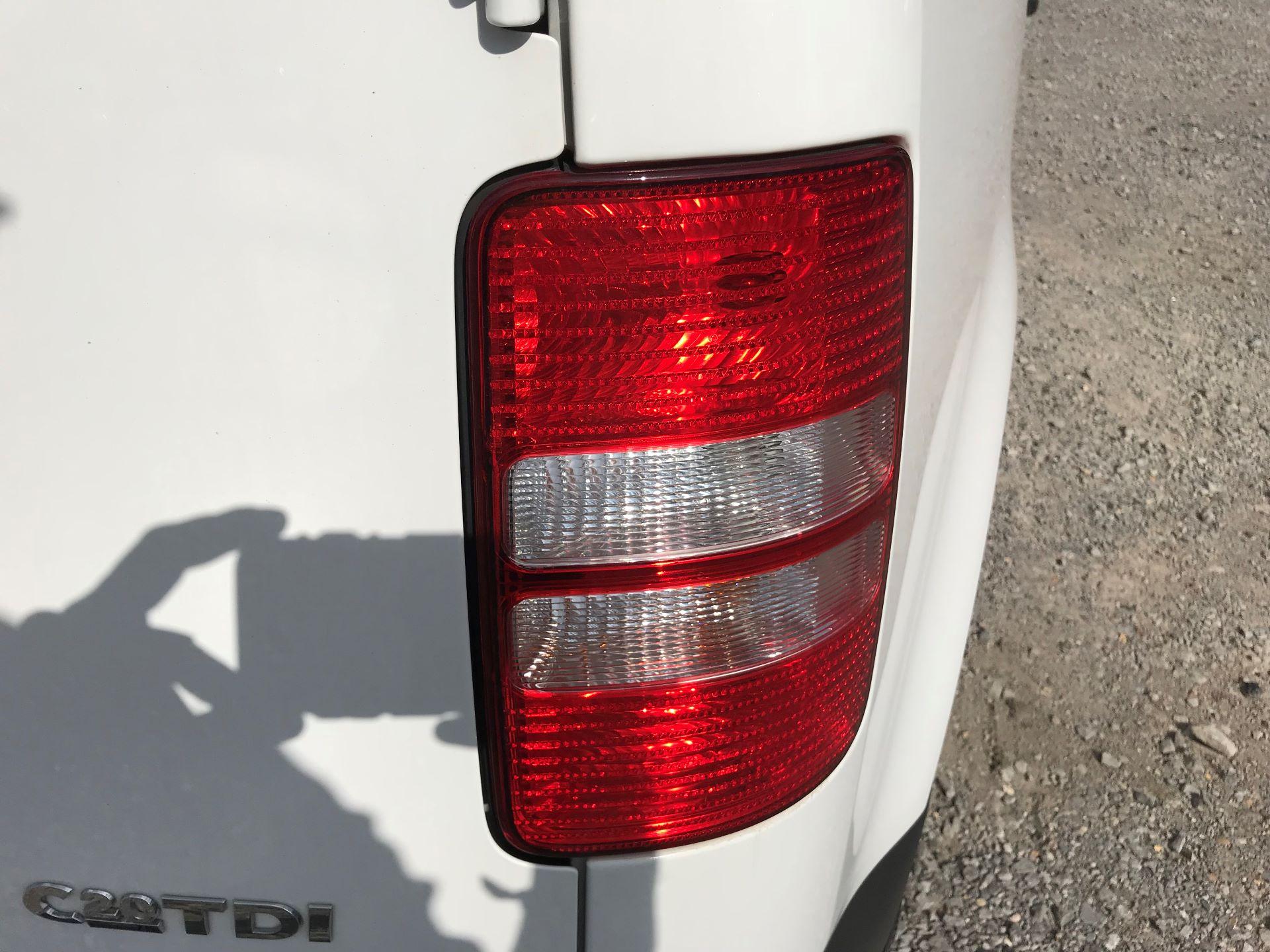 2017 Volkswagen Caddy  1.6 75PS STARTLINE EURO 5 (GJ17EZP) Image 16