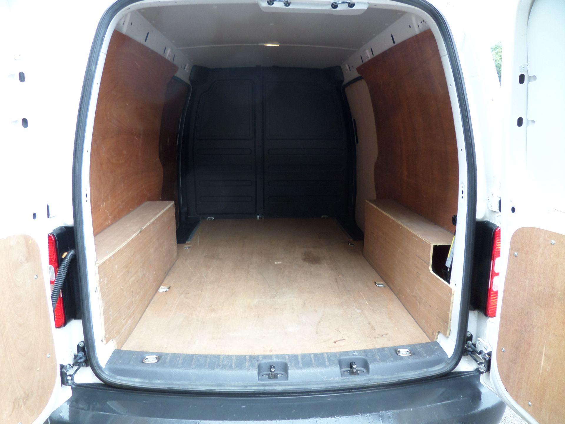 2017 Volkswagen Caddy Maxi 1.6 Tdi 102Ps Startline Van (GJ17EZS) Image 5