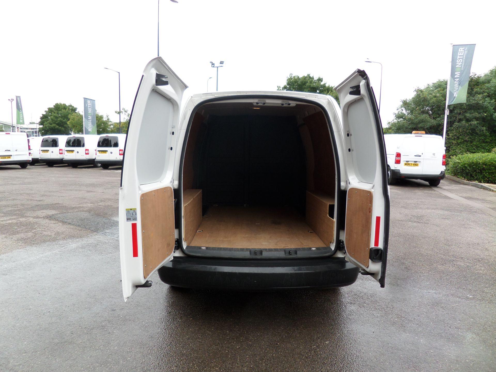 2017 Volkswagen Caddy Maxi 1.6 Tdi 102Ps Startline Van (GJ17EZS) Image 4