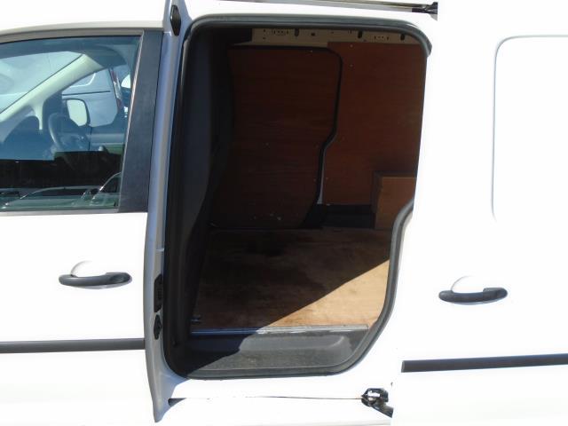 2017 Volkswagen Caddy 1.6 Tdi 102Ps Startline Van (GJ17FRC) Image 13