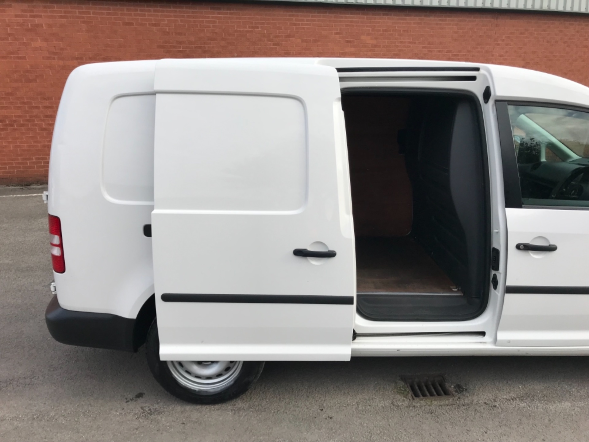 2017 Volkswagen Caddy 1.6 102PS STARTLINE EURO 5 (GJ17FRP) Image 25