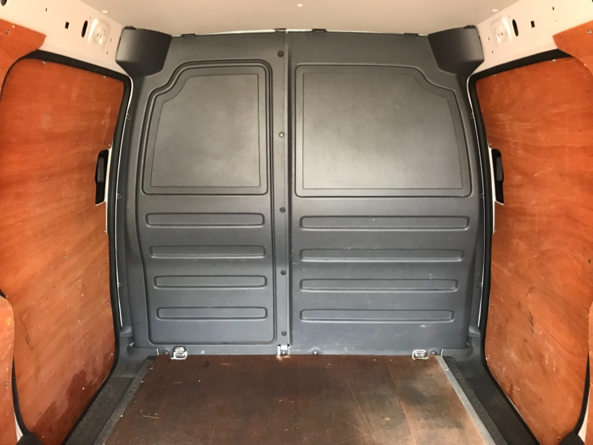 2017 Volkswagen Caddy 1.6 102PS STARTLINE EURO 5 (GJ17FRP) Image 28