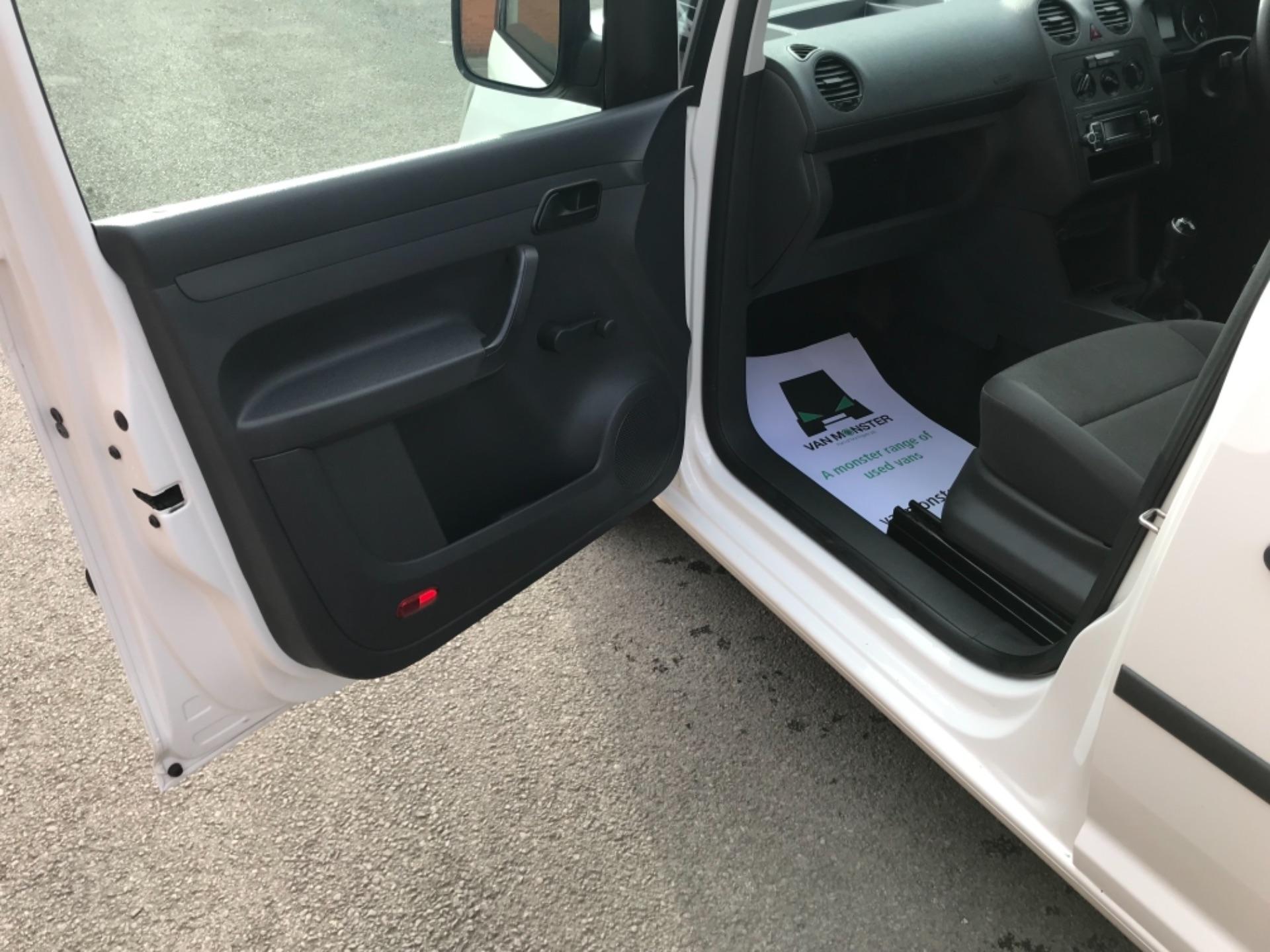 2017 Volkswagen Caddy 1.6 102PS STARTLINE EURO 5 (GJ17FRP) Image 21