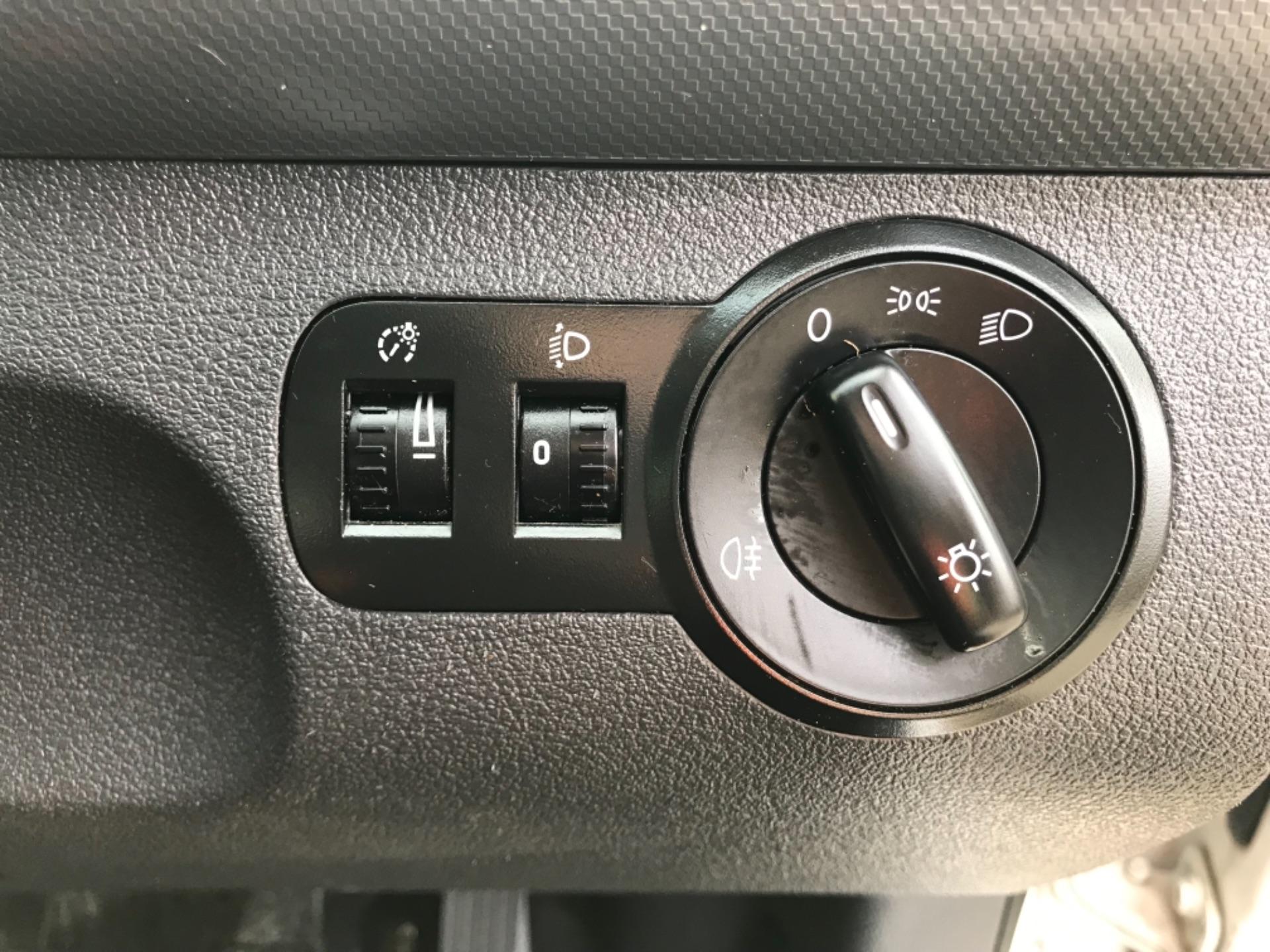2017 Volkswagen Caddy 1.6 102PS STARTLINE EURO 5 (GJ17FRP) Image 13