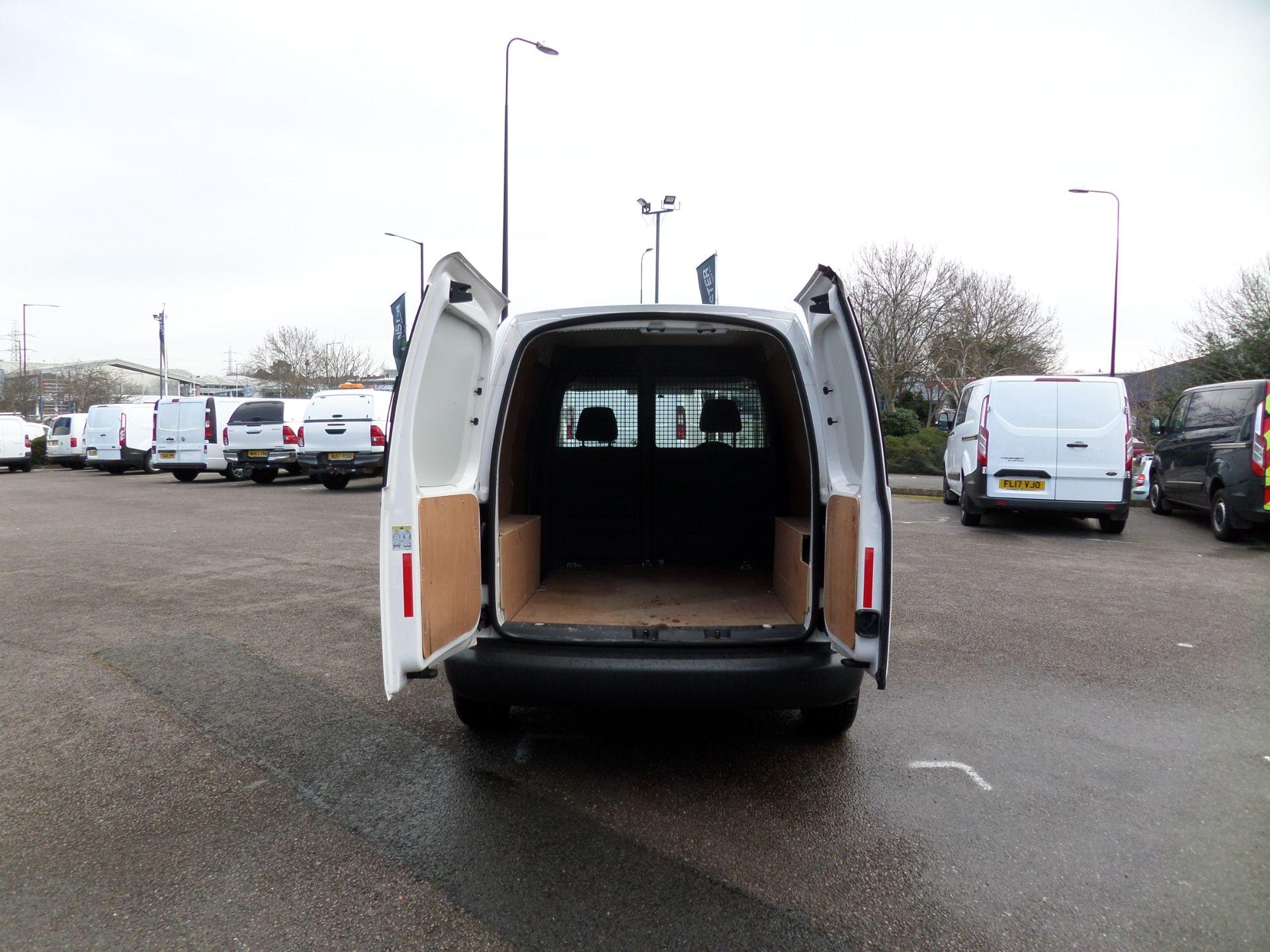 2017 Volkswagen Caddy 1.6 Tdi 75Ps Startline Van (GJ17HVP) Image 4