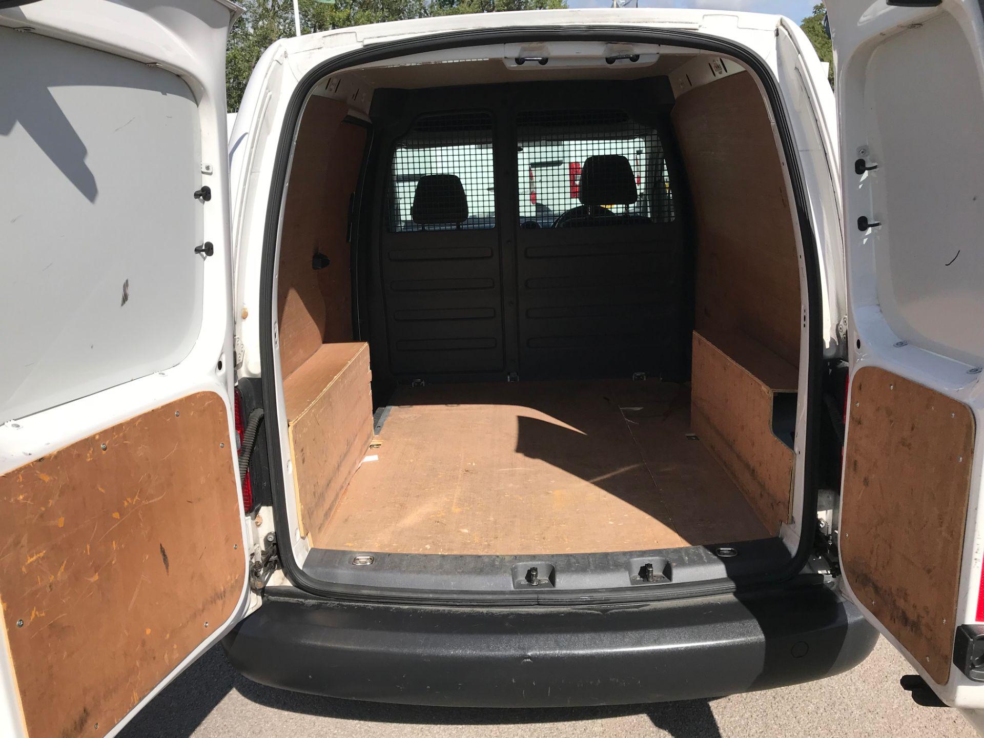2017 Volkswagen Caddy 1.6 75PS STARTLINE EURO 5  (GJ17HXU) Image 19