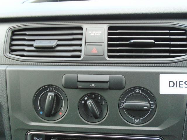 2017 Volkswagen Caddy Maxi 2.0 Tdi Bluemotion Tech 102Ps Startline Van (GJ17NZT) Image 25