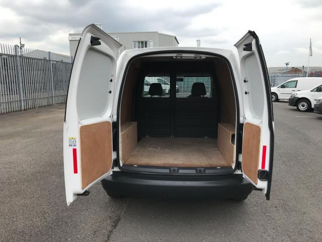 2017 Volkswagen Caddy 1.6TDI 75PS STARTLINE EURO 5 (GJ17SXA) Image 19