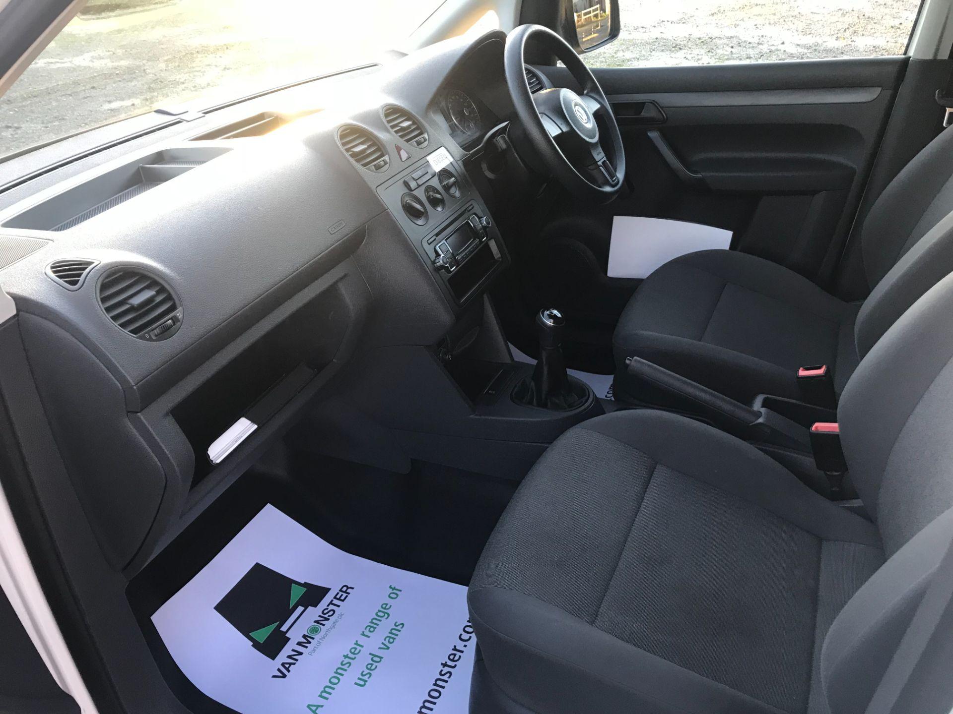 2017 Volkswagen Caddy  1.6 75PS STARTLINE EURO 5 (GJ17SXE) Image 22